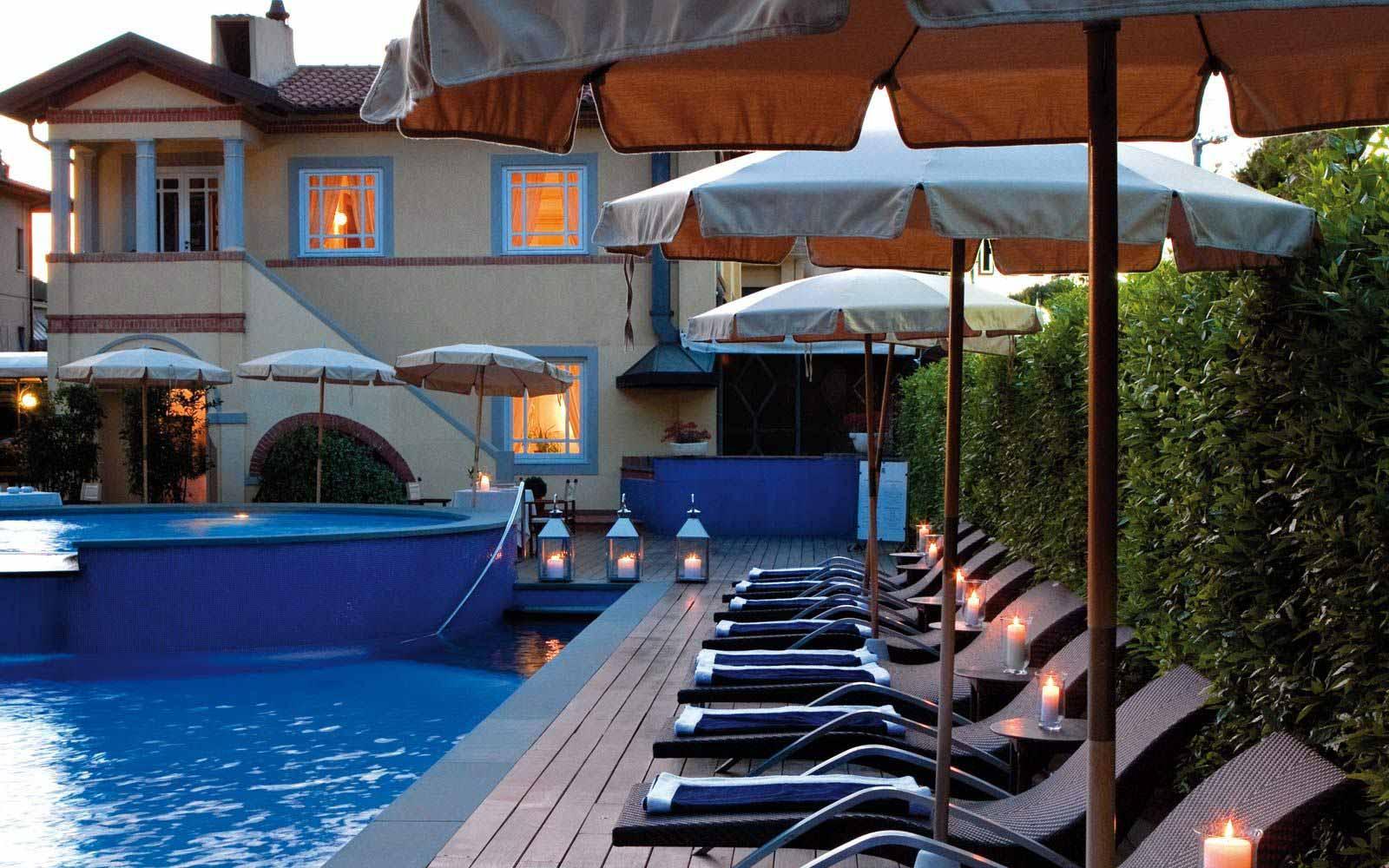 Hotel byron forte dei marmi tuscany italy hotel byron for Bagno san francesco forte dei marmi