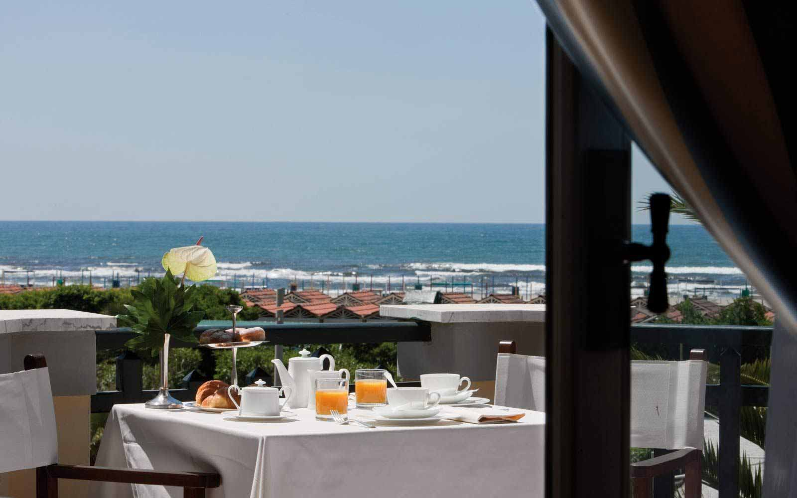 Breakfast on the terrace at Hotel Byron