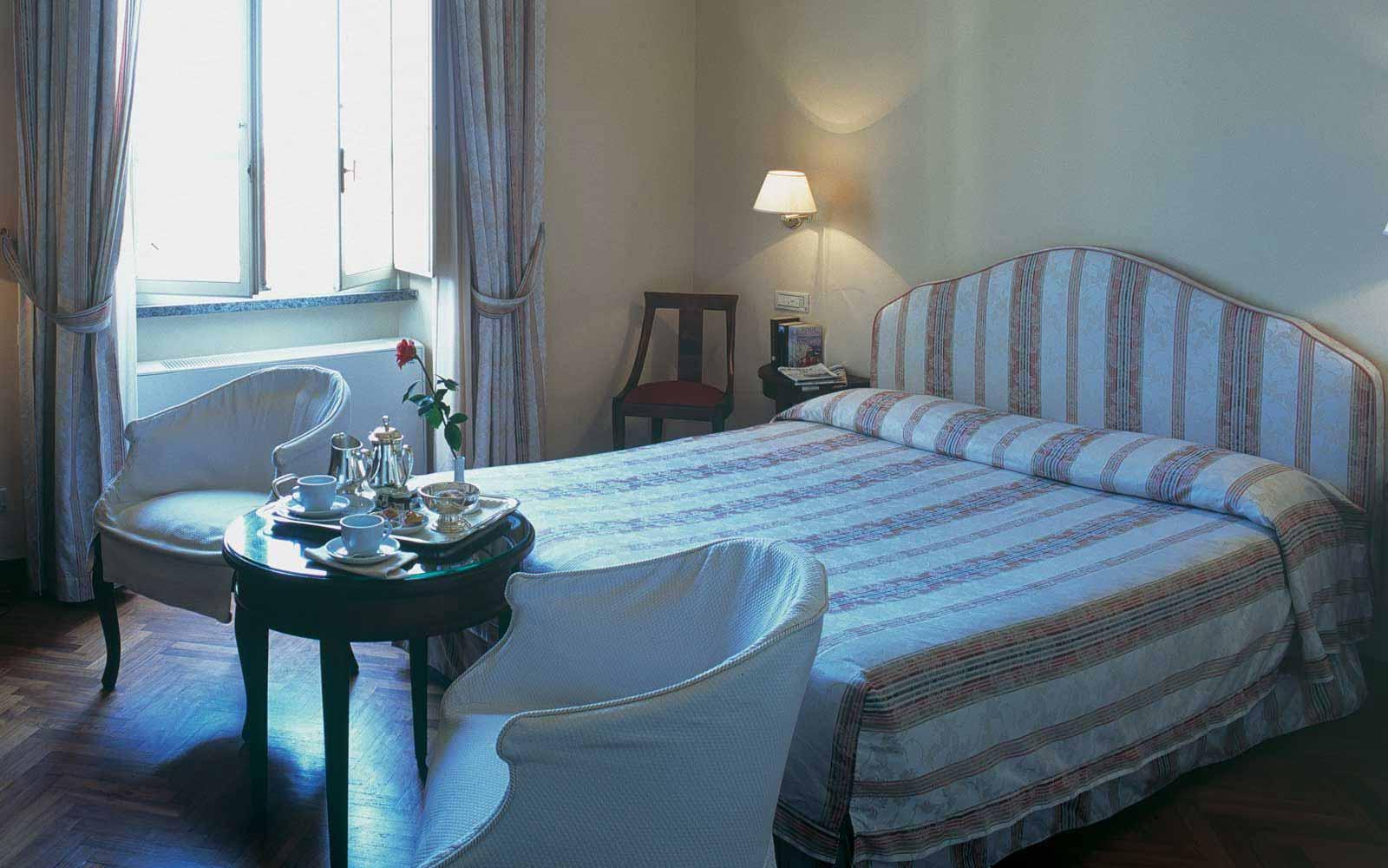 Deluxe room at the Hotel Plaza e de Russie
