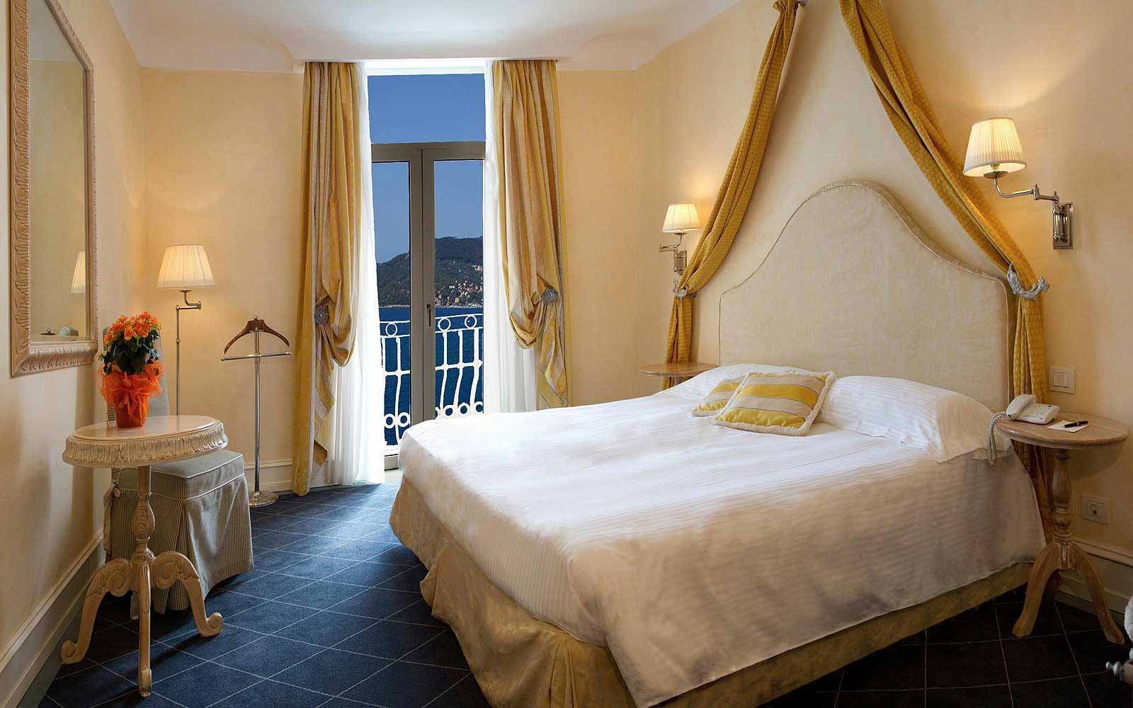 Deluxe room with Portofino view