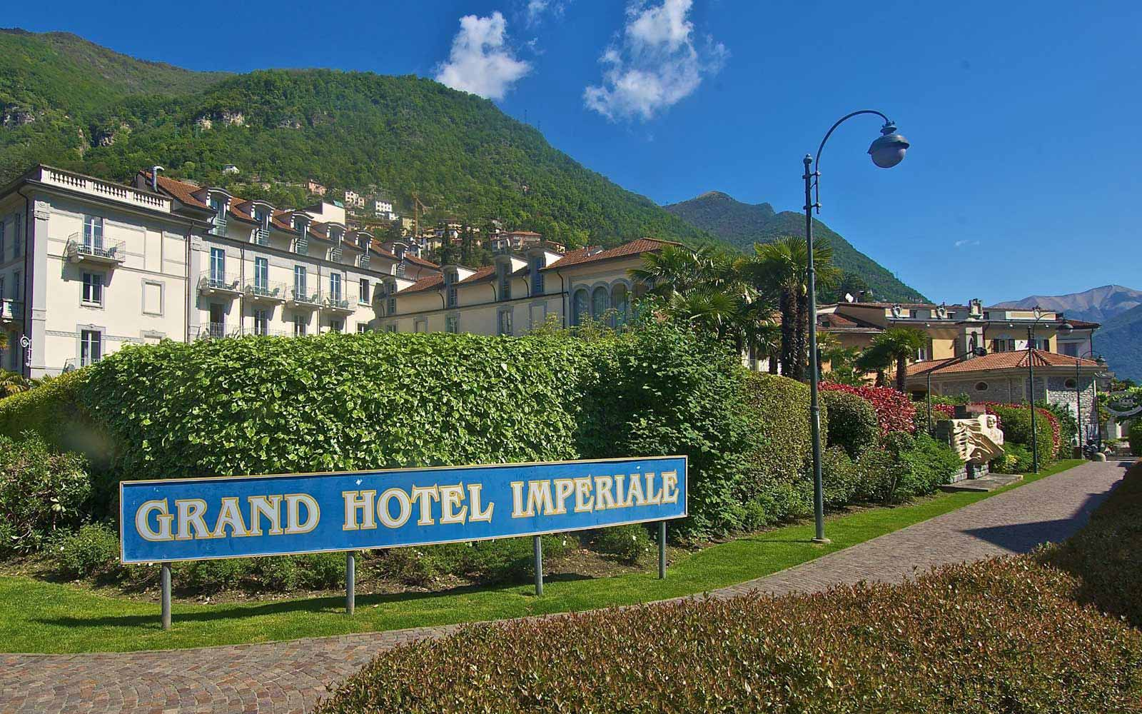 Driveway to Grand Hotel Imperiale