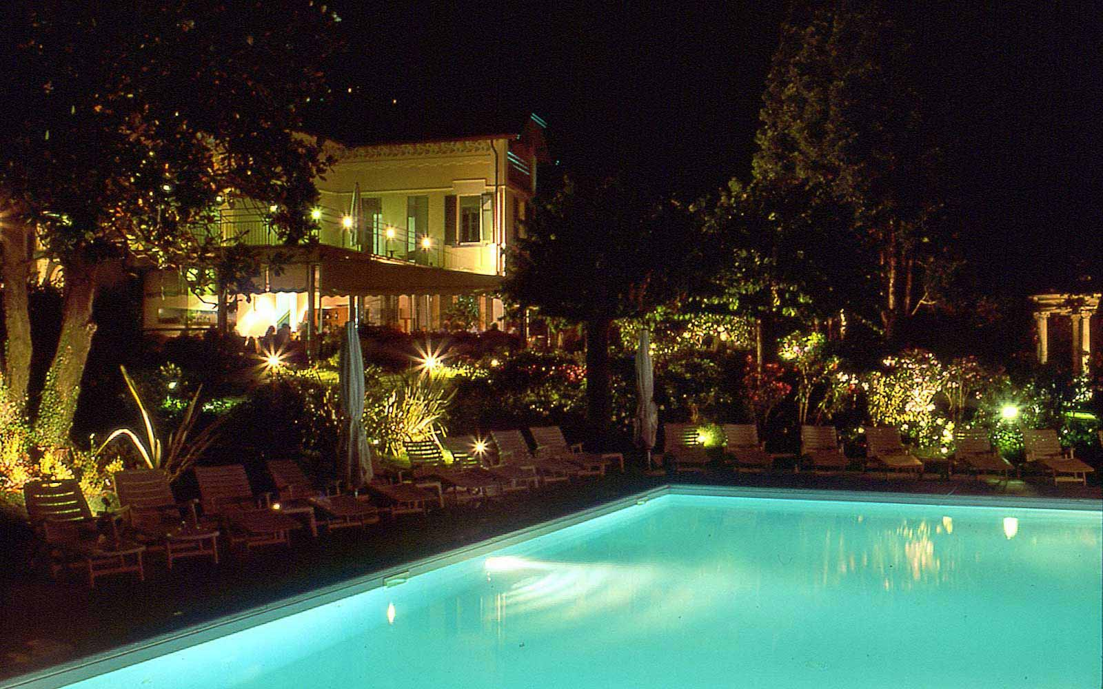 Pool by night at Grand Hotel Imperiale