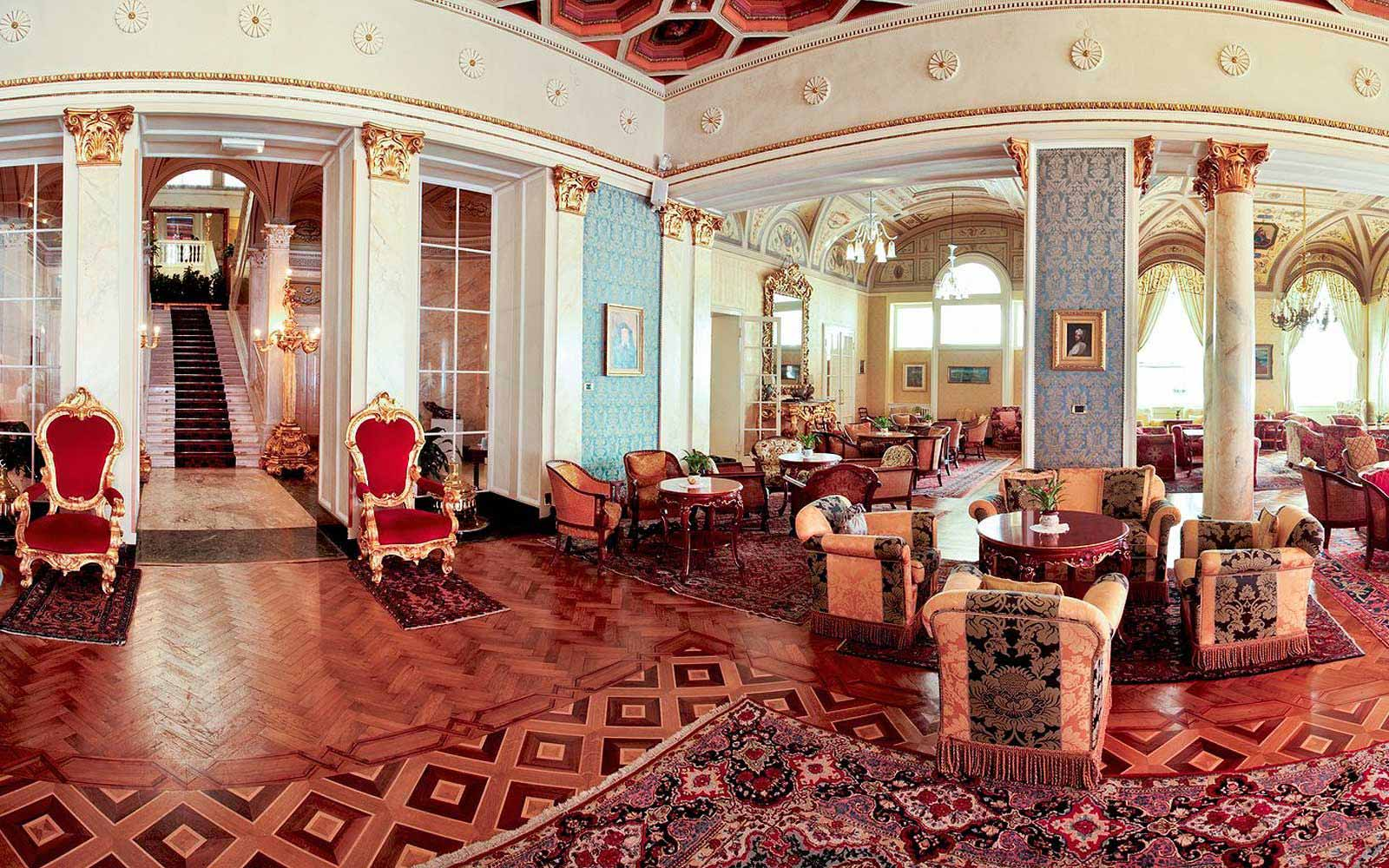 A hall at Grand Hotel Villa Serbelloni