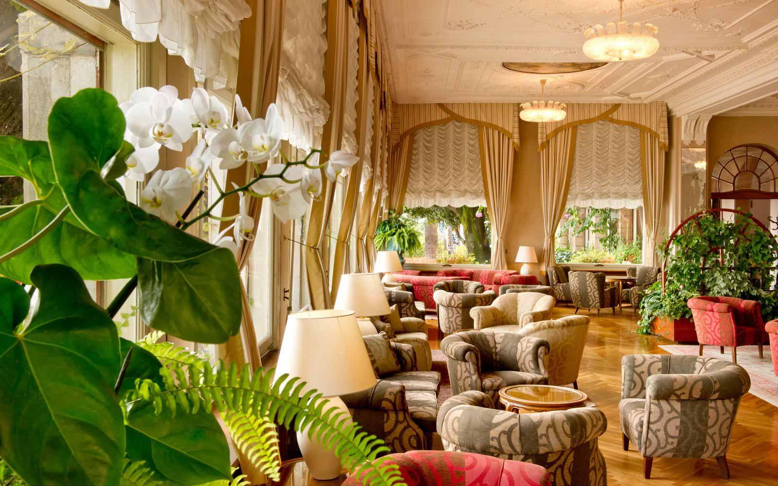 Reception hall at Grand Hotel Gardone