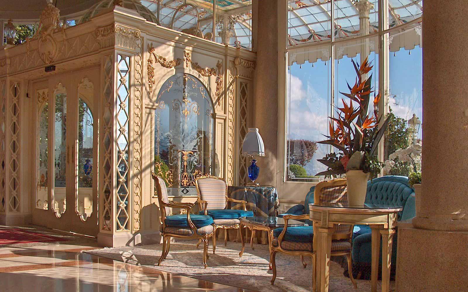 Reception hall at Grand Hotel Des Iles Borromees