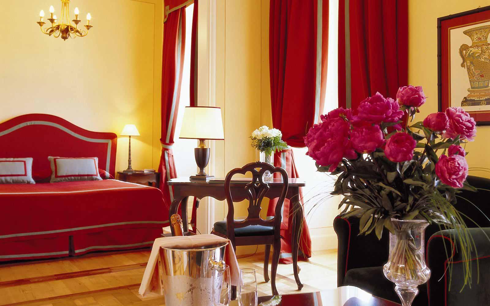 Deluxe junior suite at Grand Hotel Majestic