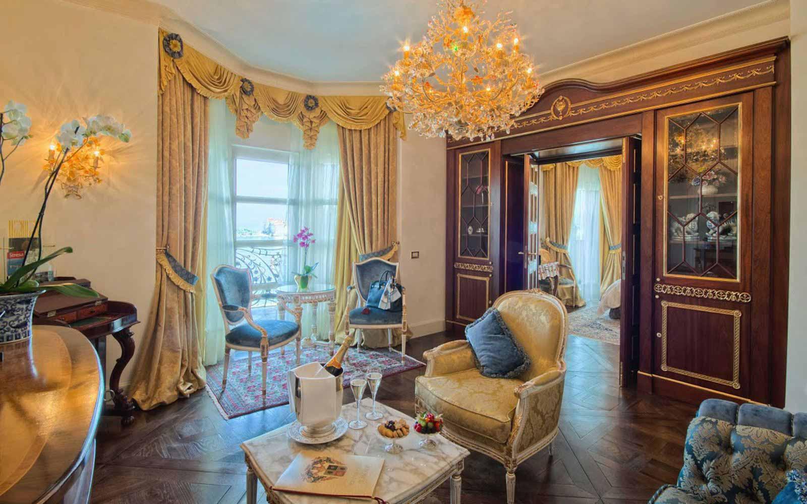Liz Taylor suite at Villa e Palazzo Aminta