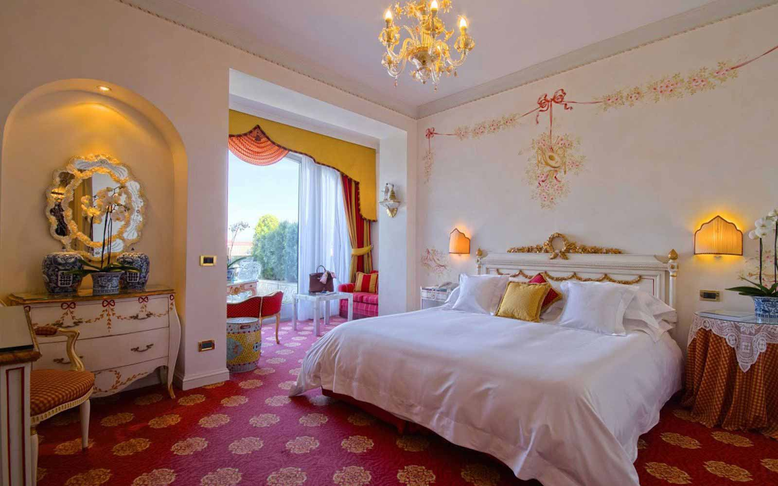 Junior suite at Villa e Palazzo Aminta