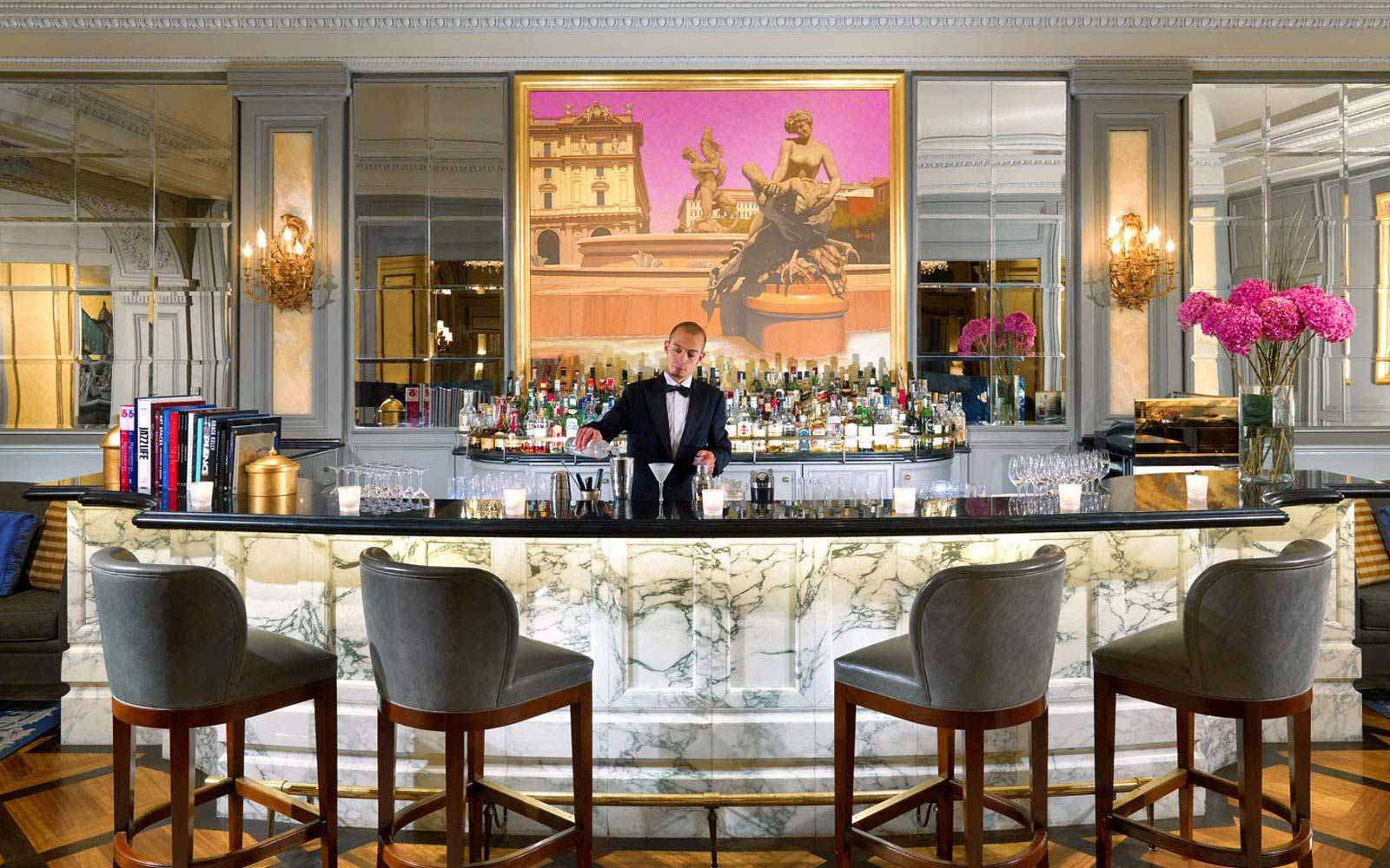 Le Grand Bar at St.Regis Grand Hotel