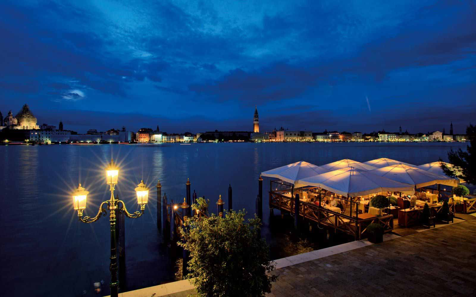 Restaurant by the river at Belmond Hotel Cipriani