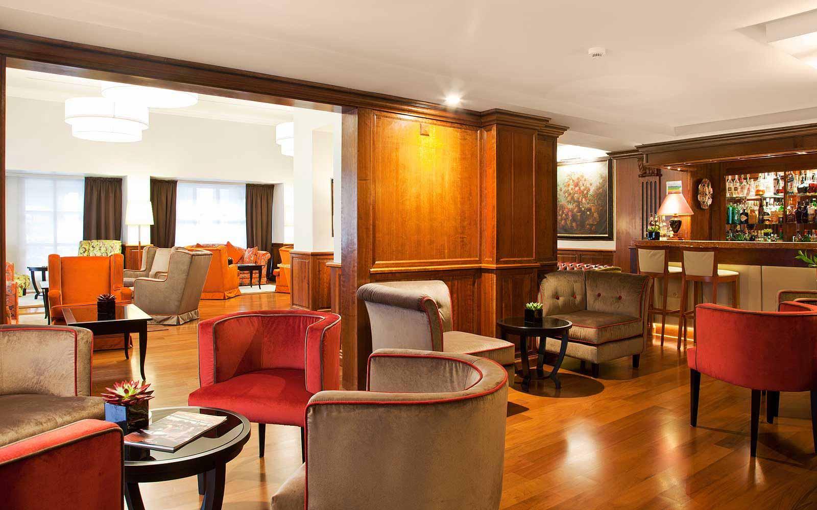Bar at Hotel De La Ville