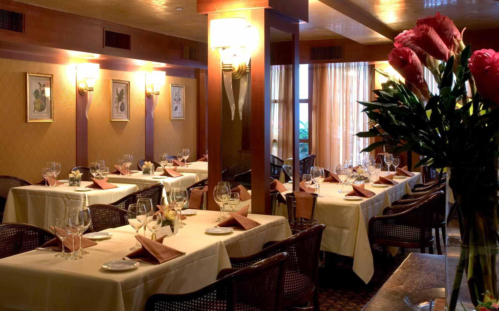 Restaurant at Hotel De La Ville