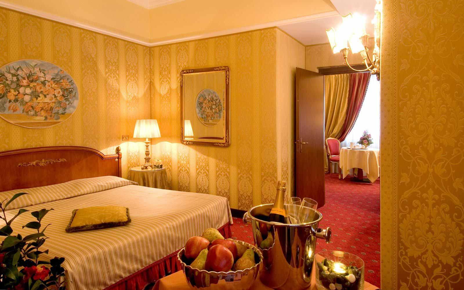 Suite at Hotel De La Ville
