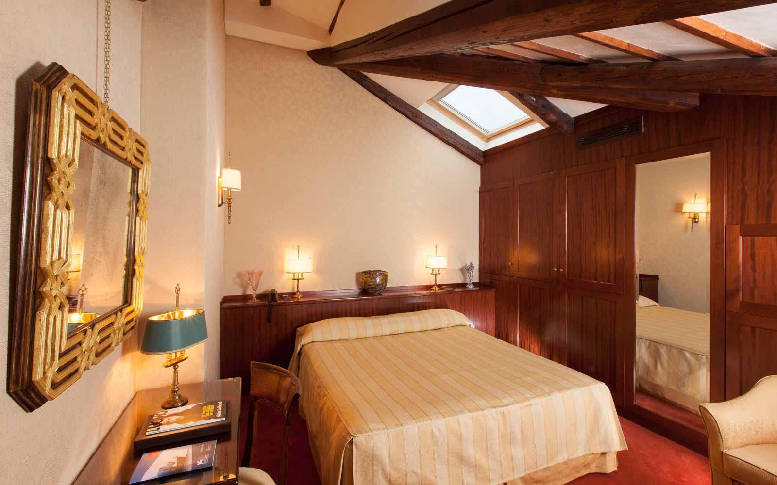 Standard room at Palazzo Stern Hotel