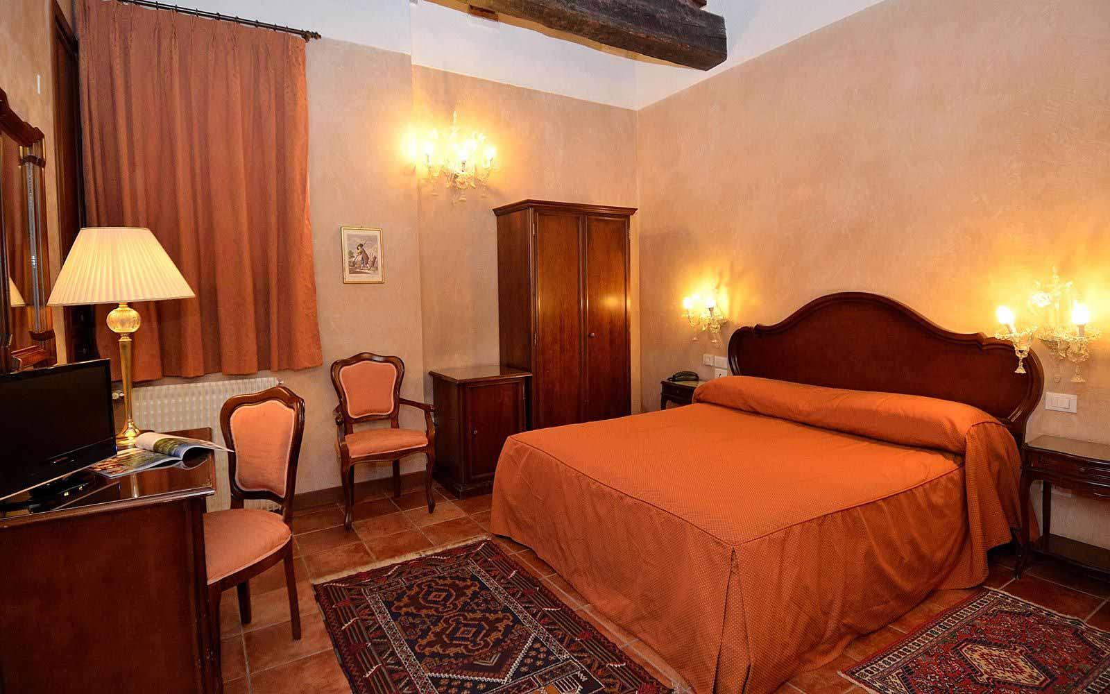 Standard room at Hotel Locanda La Corte