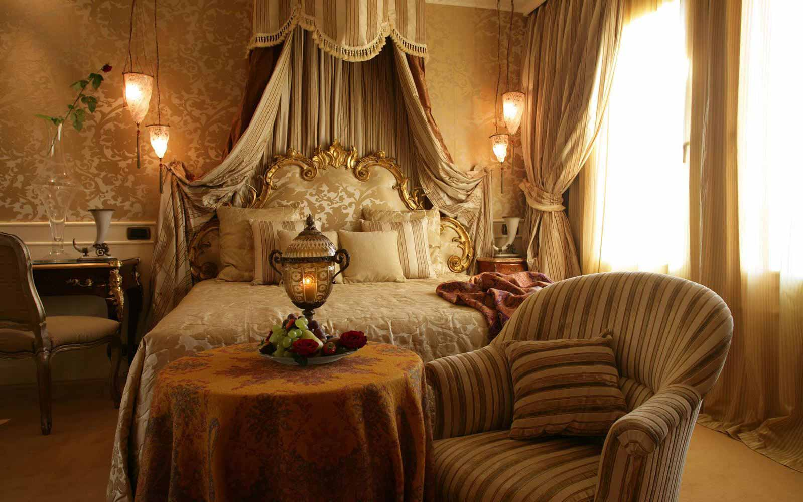 Superior room at Luna Hotel Baglioni