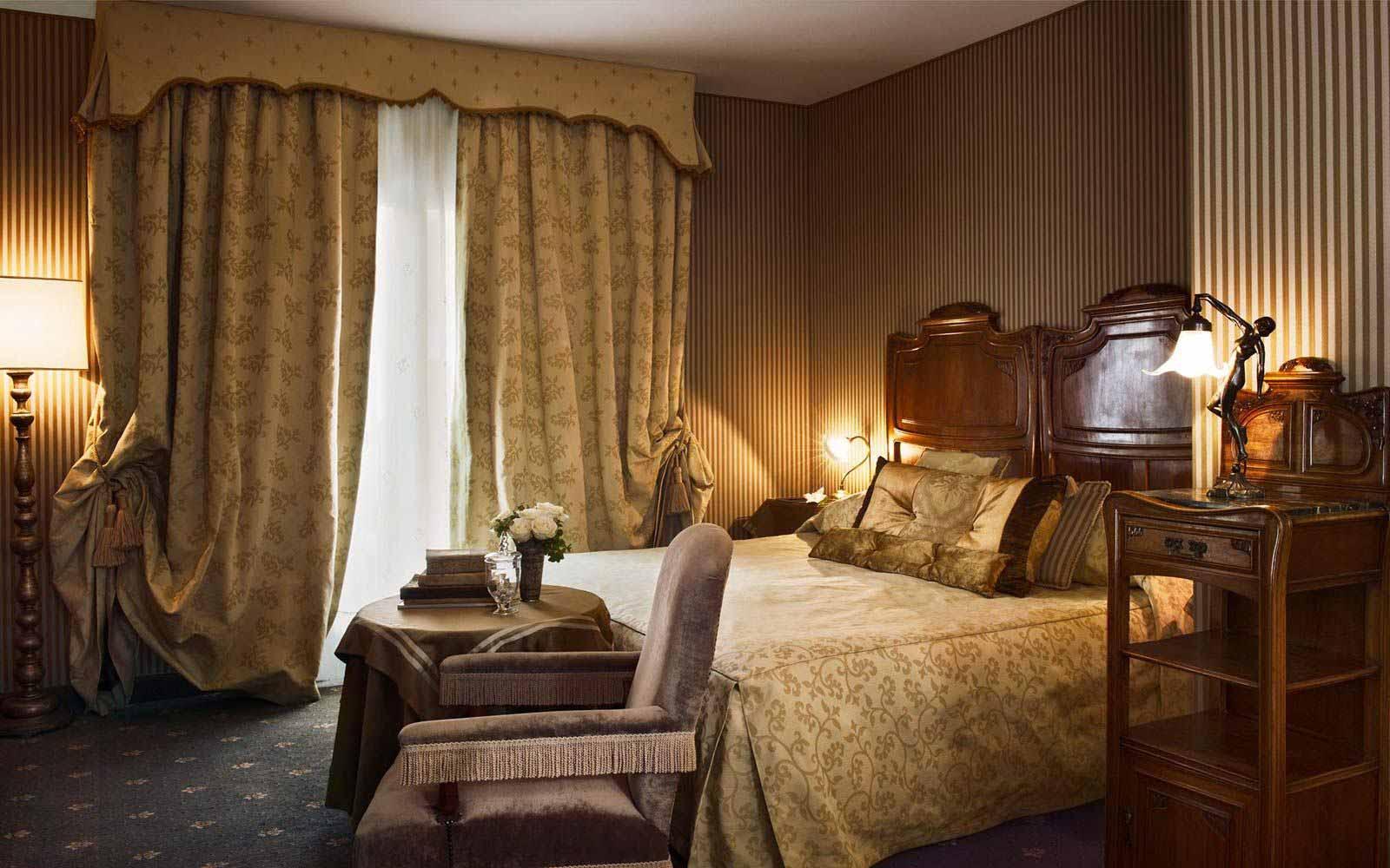 Junior suite at Hotel Metropole