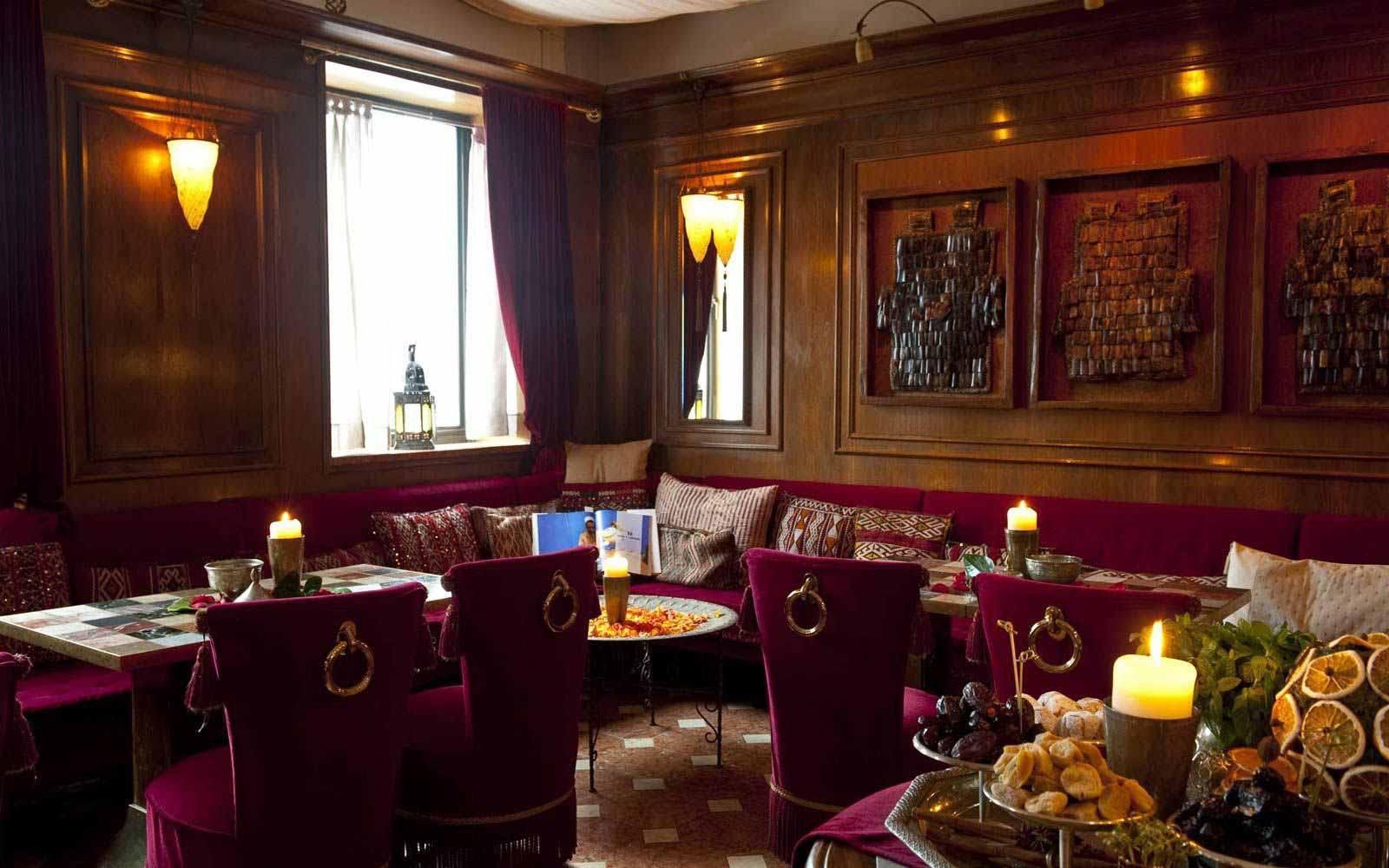 The Oriental bar at Hotel Metropole