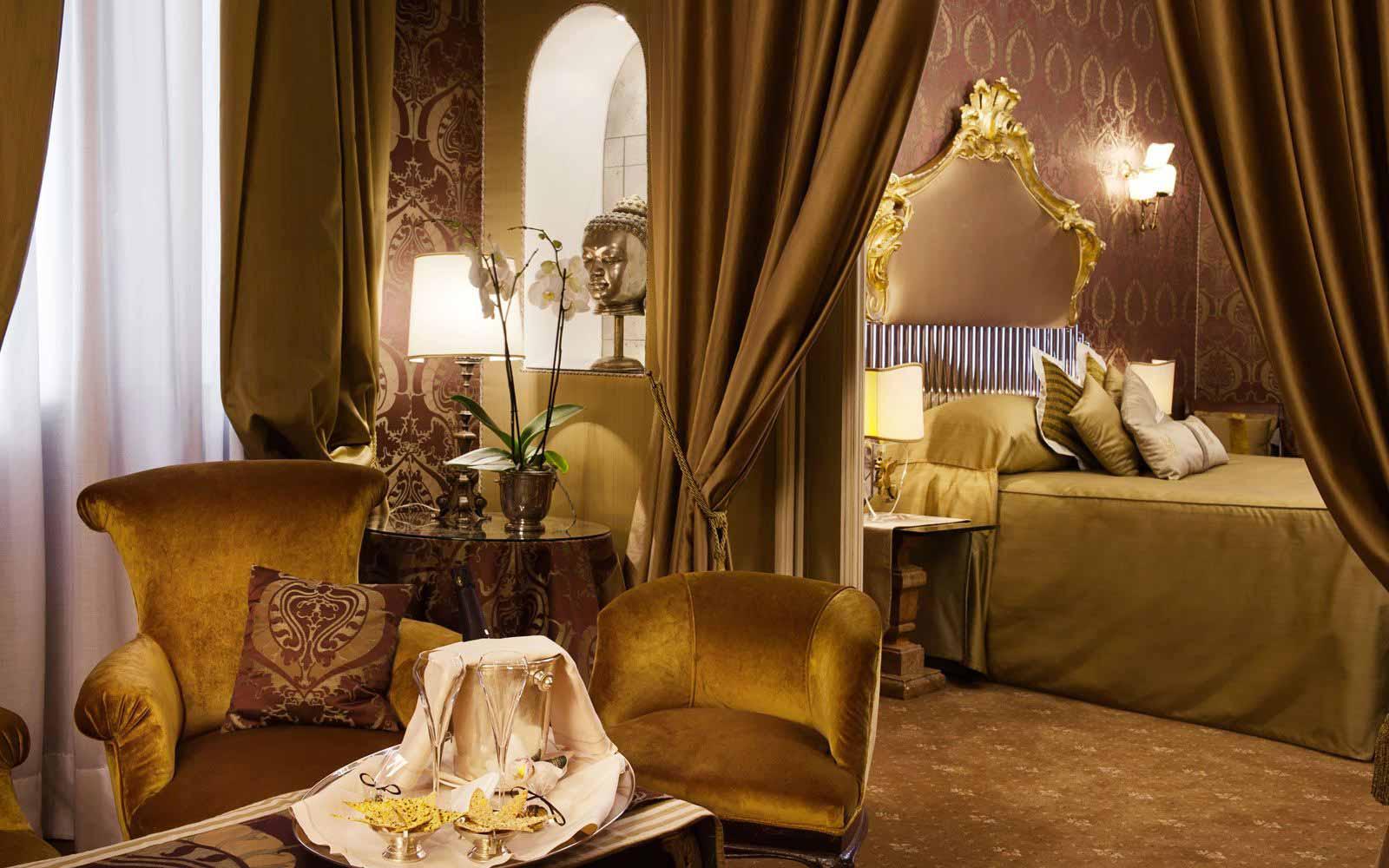 Suite at Hotel Metropole