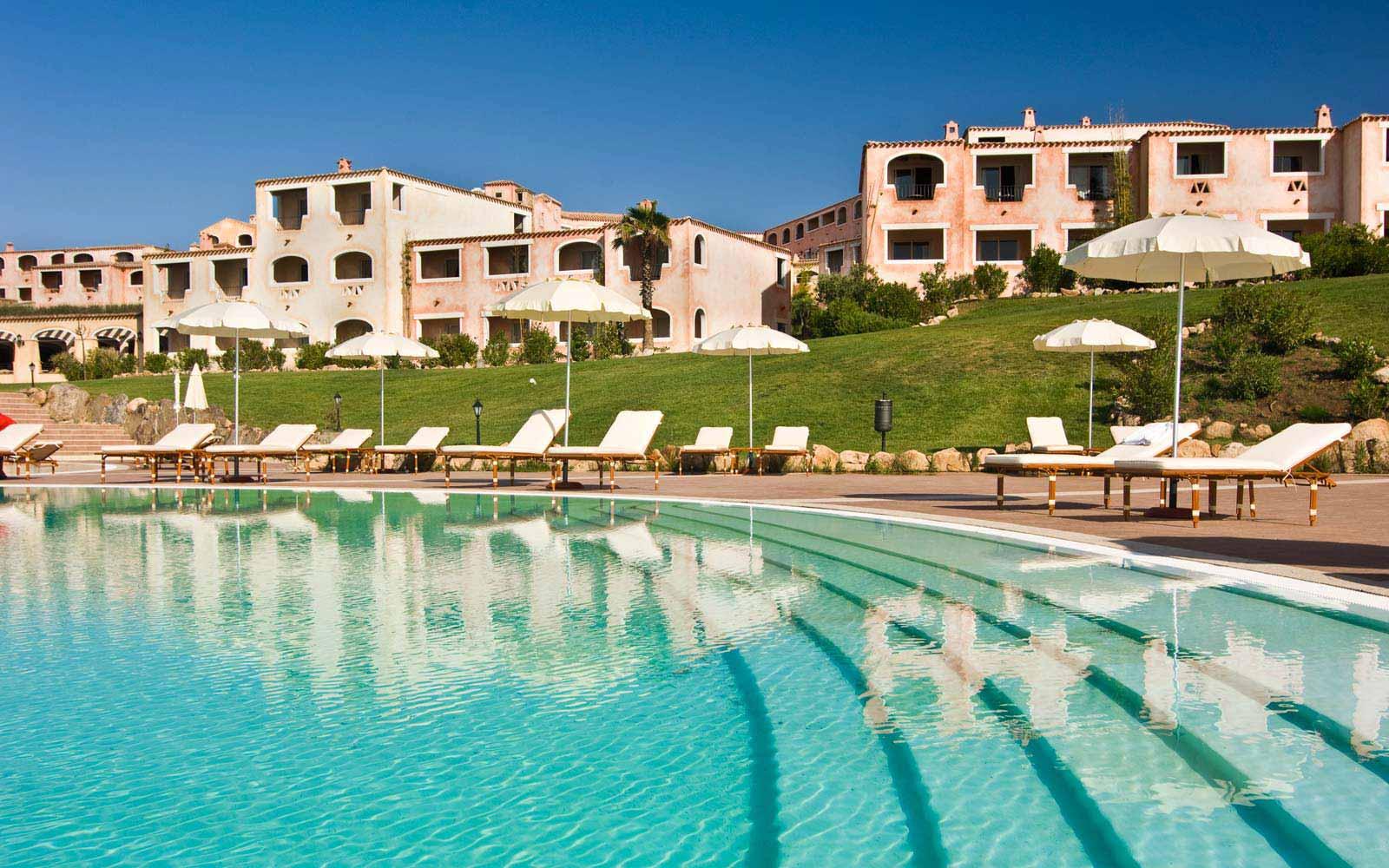 Colonna Resort pool view