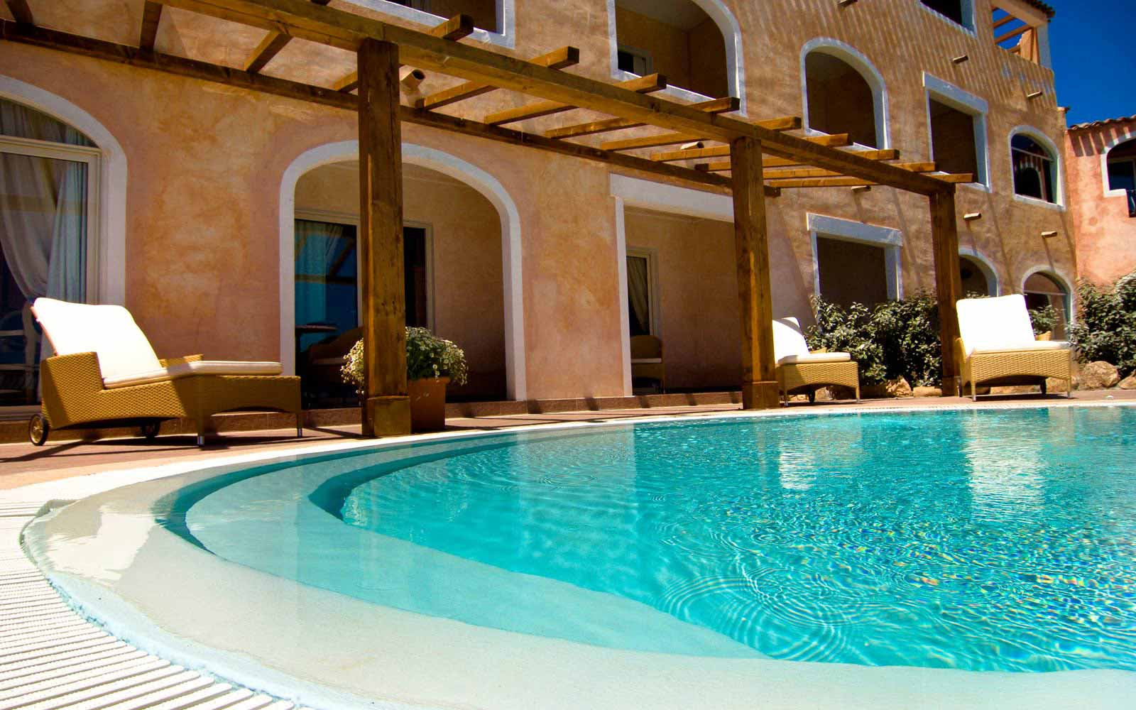 Presidential suite's pool at Colonna Resort