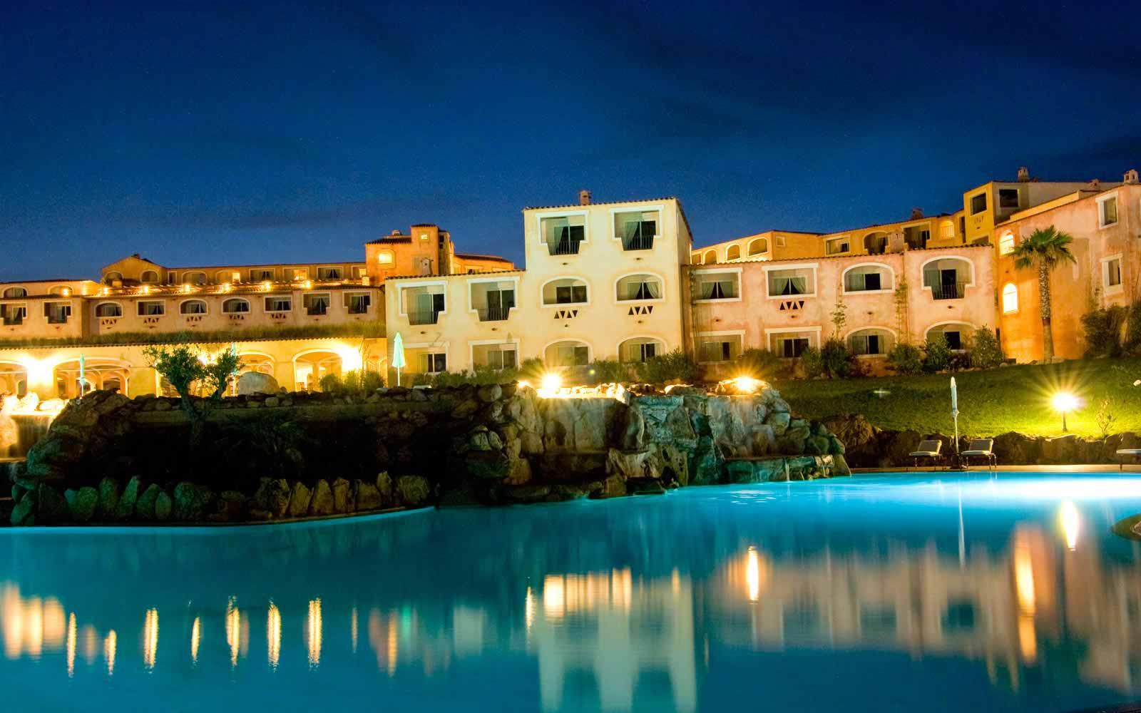 Night view of Colonna Resort