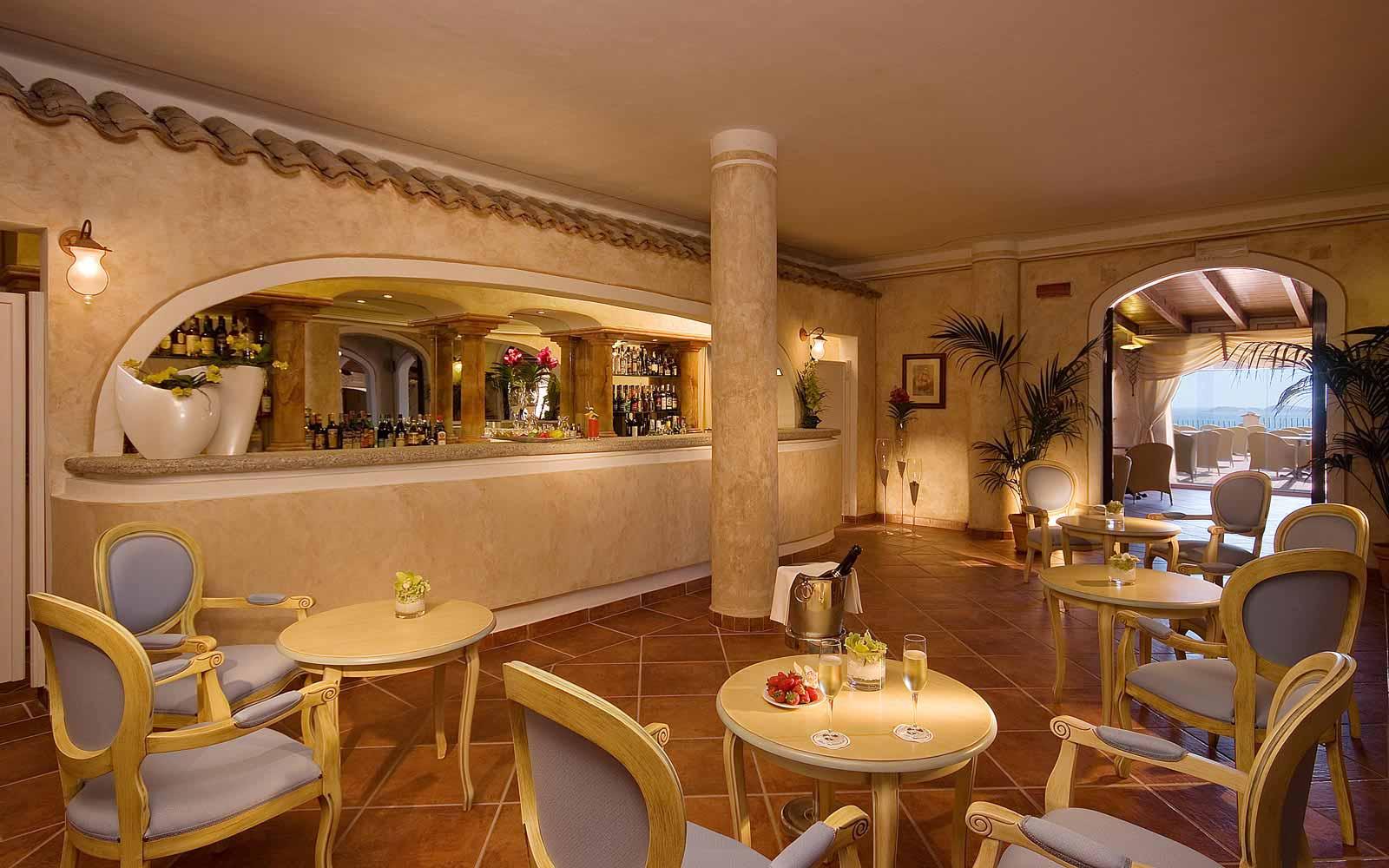 Bar reception at Colonna Resort