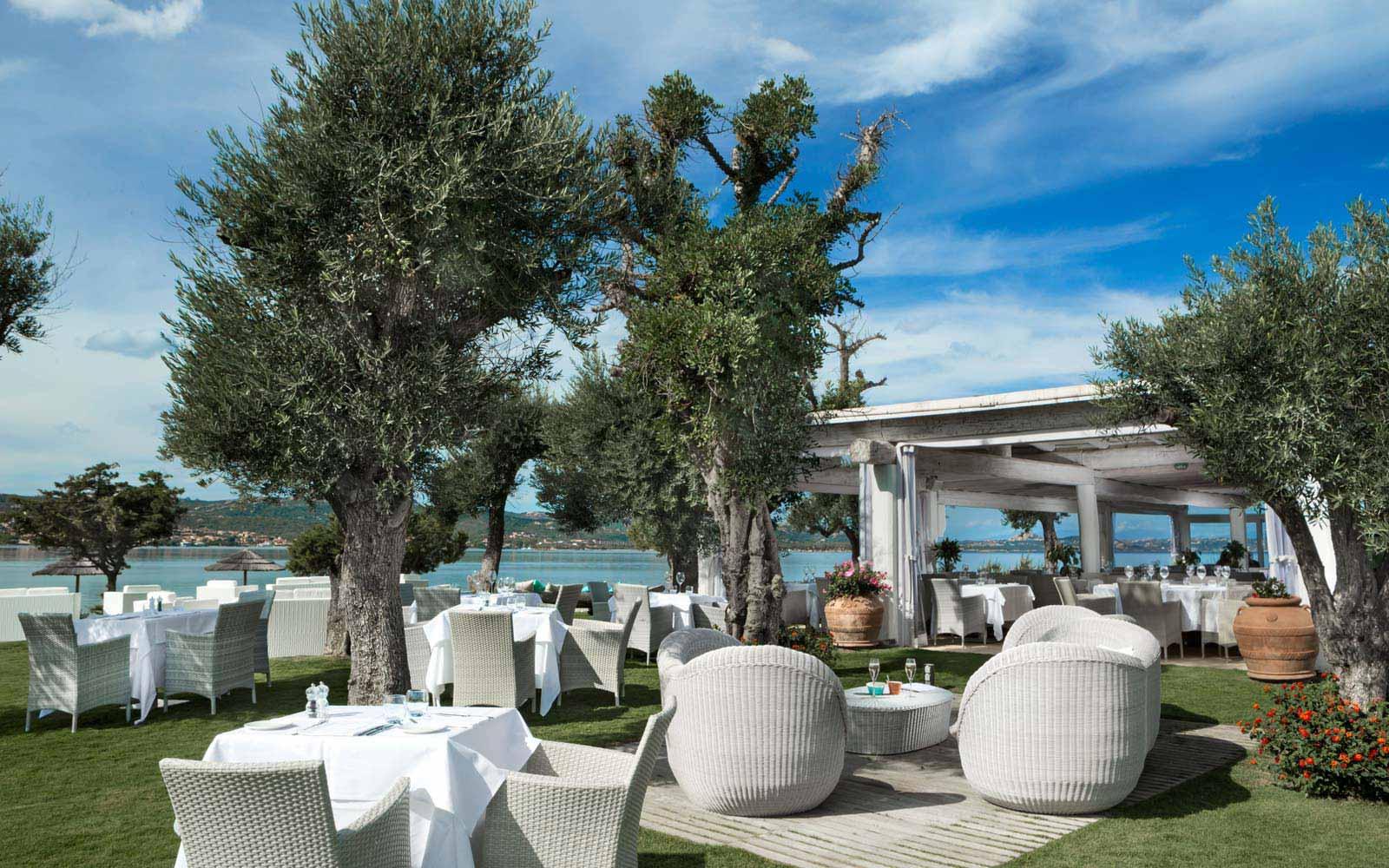 Restaurant sea view at Hotel La Rocca Resort & Spa