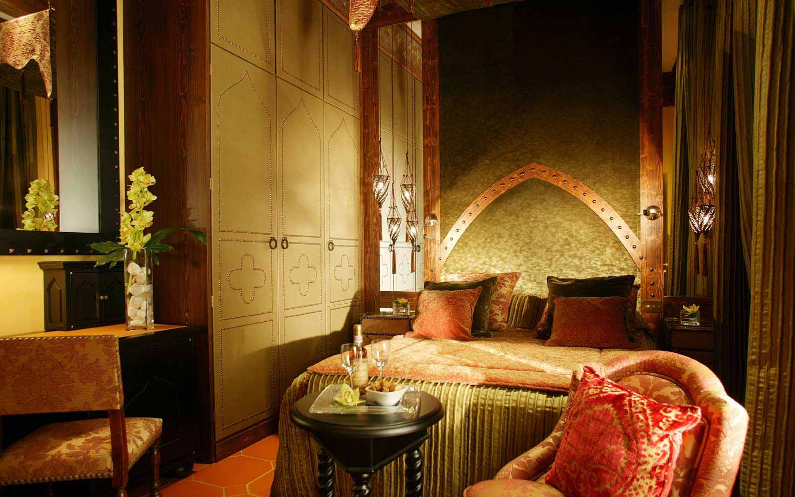 Deluxe room on the Tuscan Floor at Hotel Bernini Palace