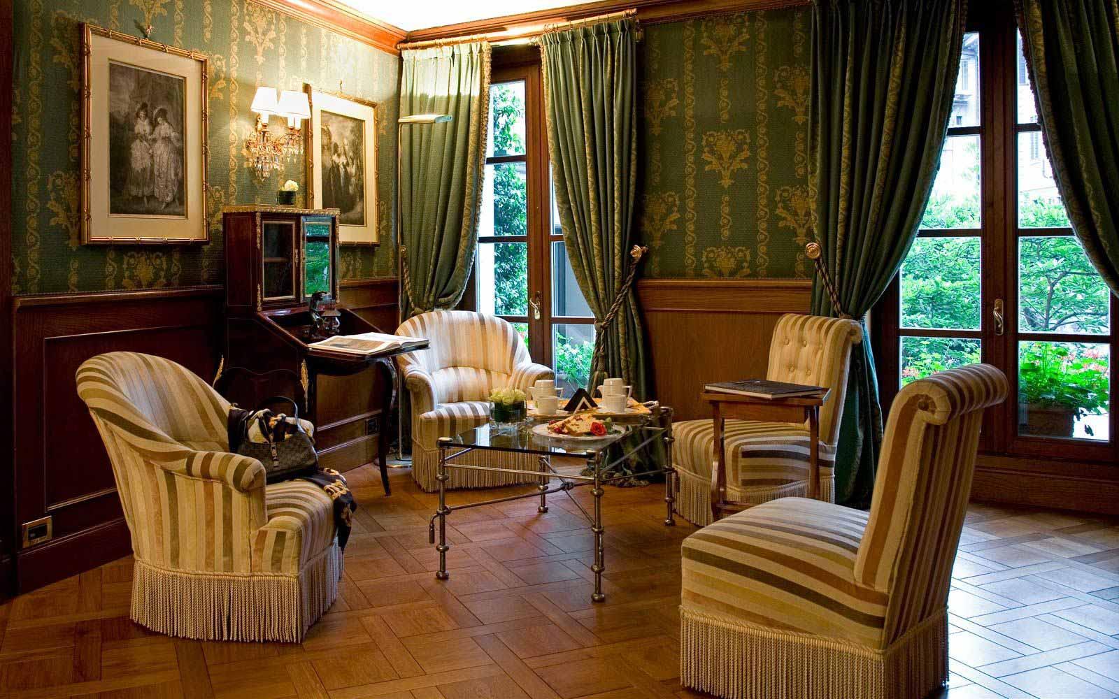 Library at Carlton Hotel Baglioni