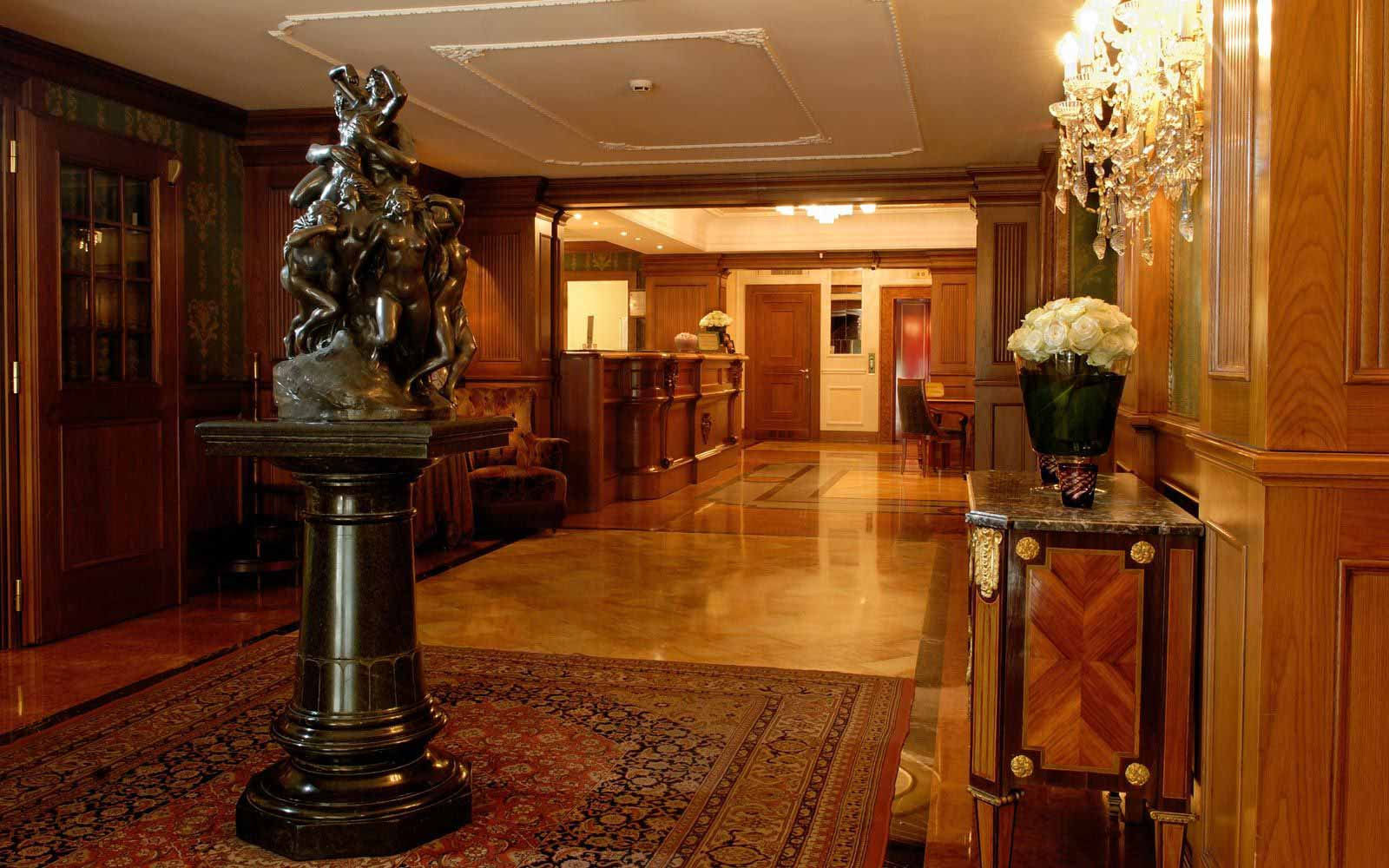 Entrance hall at Carlton Hotel Baglioni