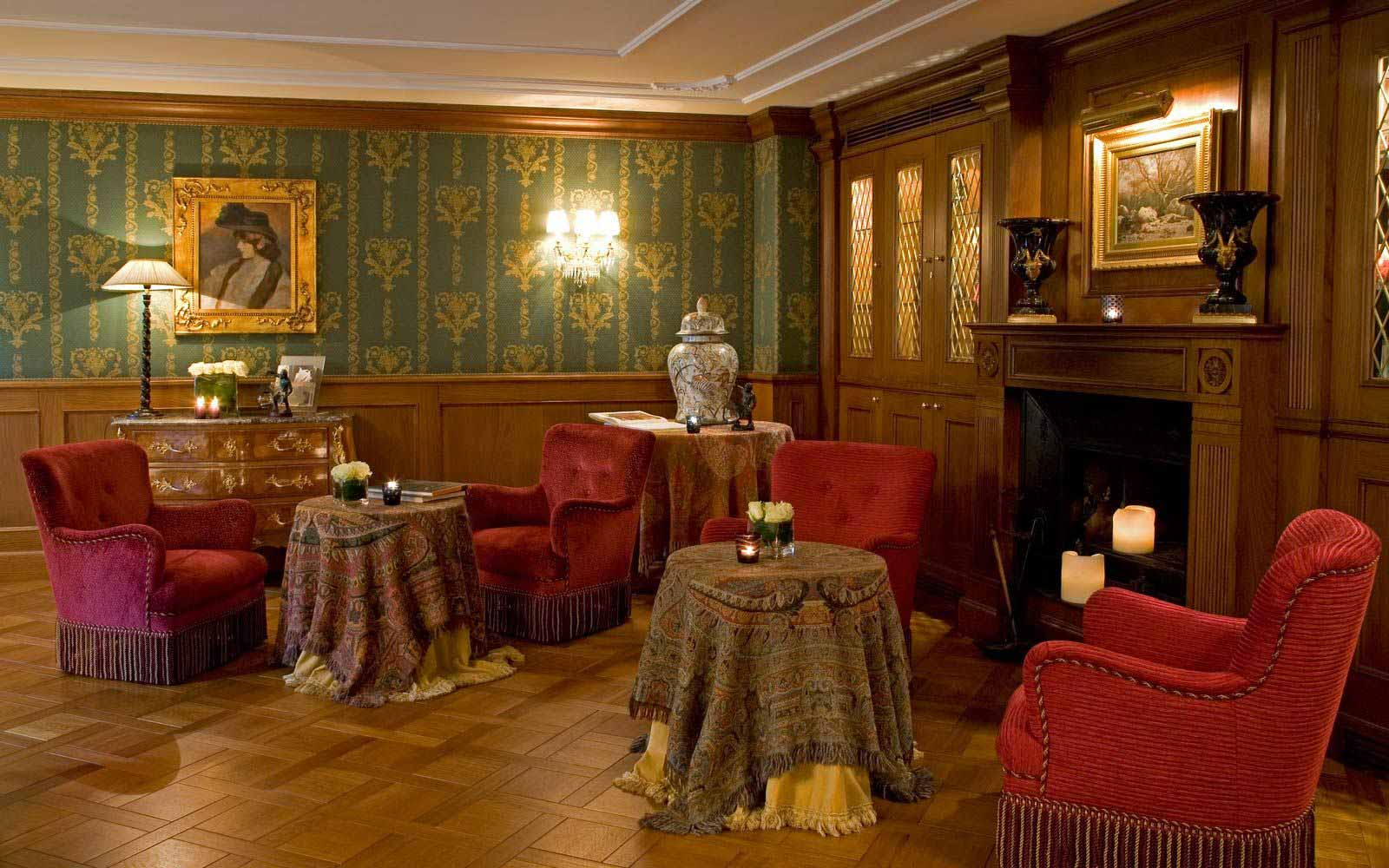 Lounge at Carlton Hotel Baglioni