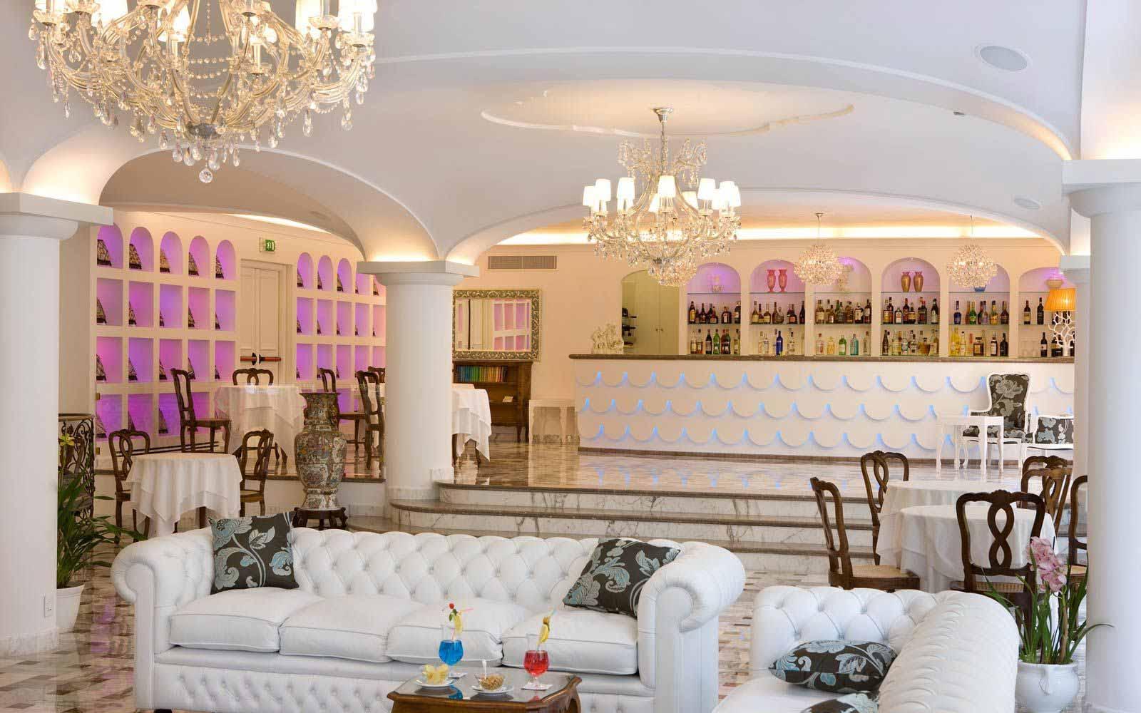 American Bar at the Grand Hotel La Favorita