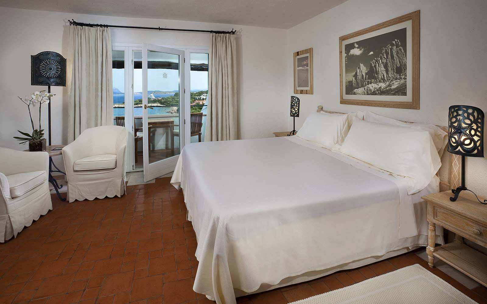 A Premium Room at the Hotel Romazzino