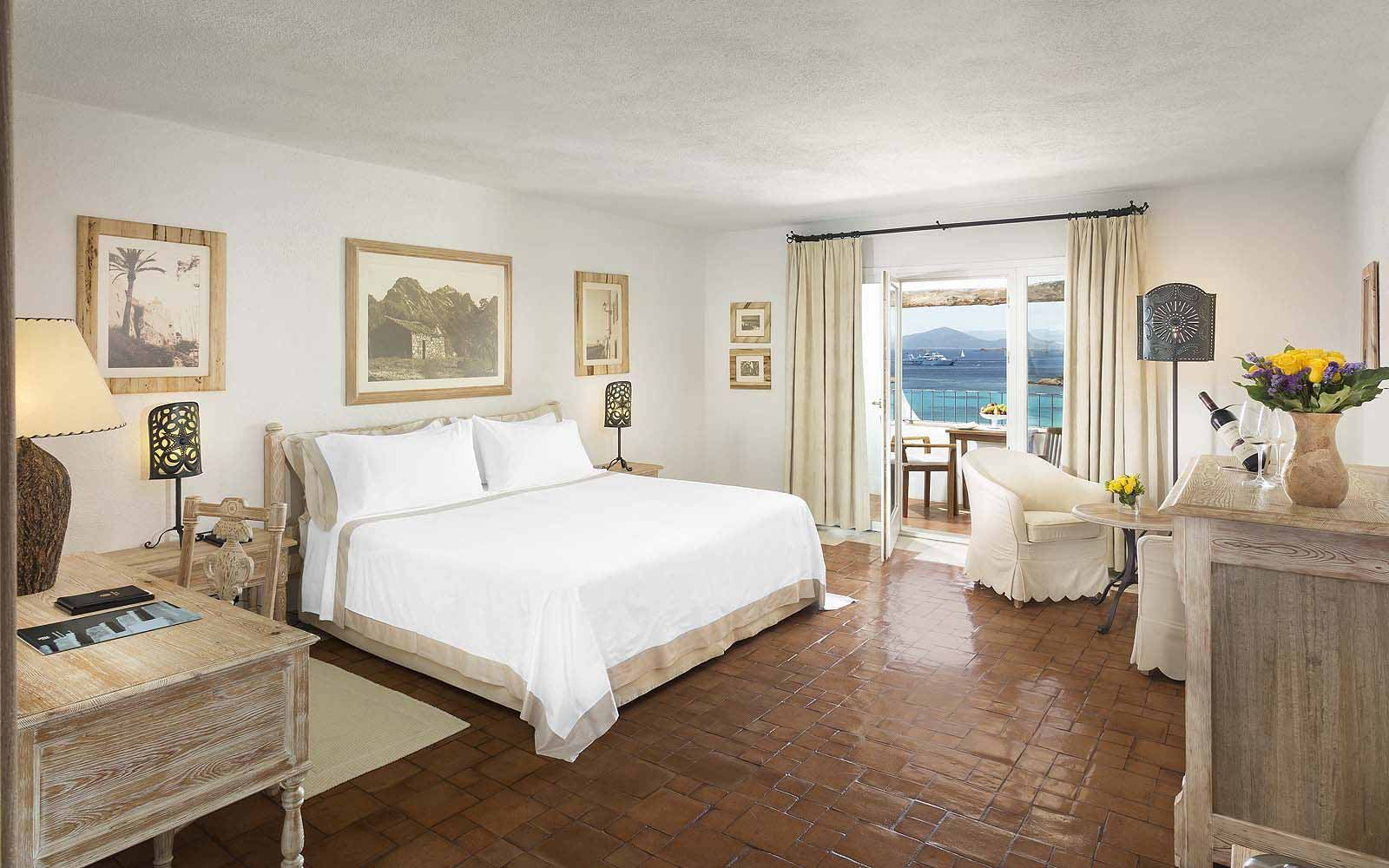 A Deluxe Suite at the Hotel Romazzino
