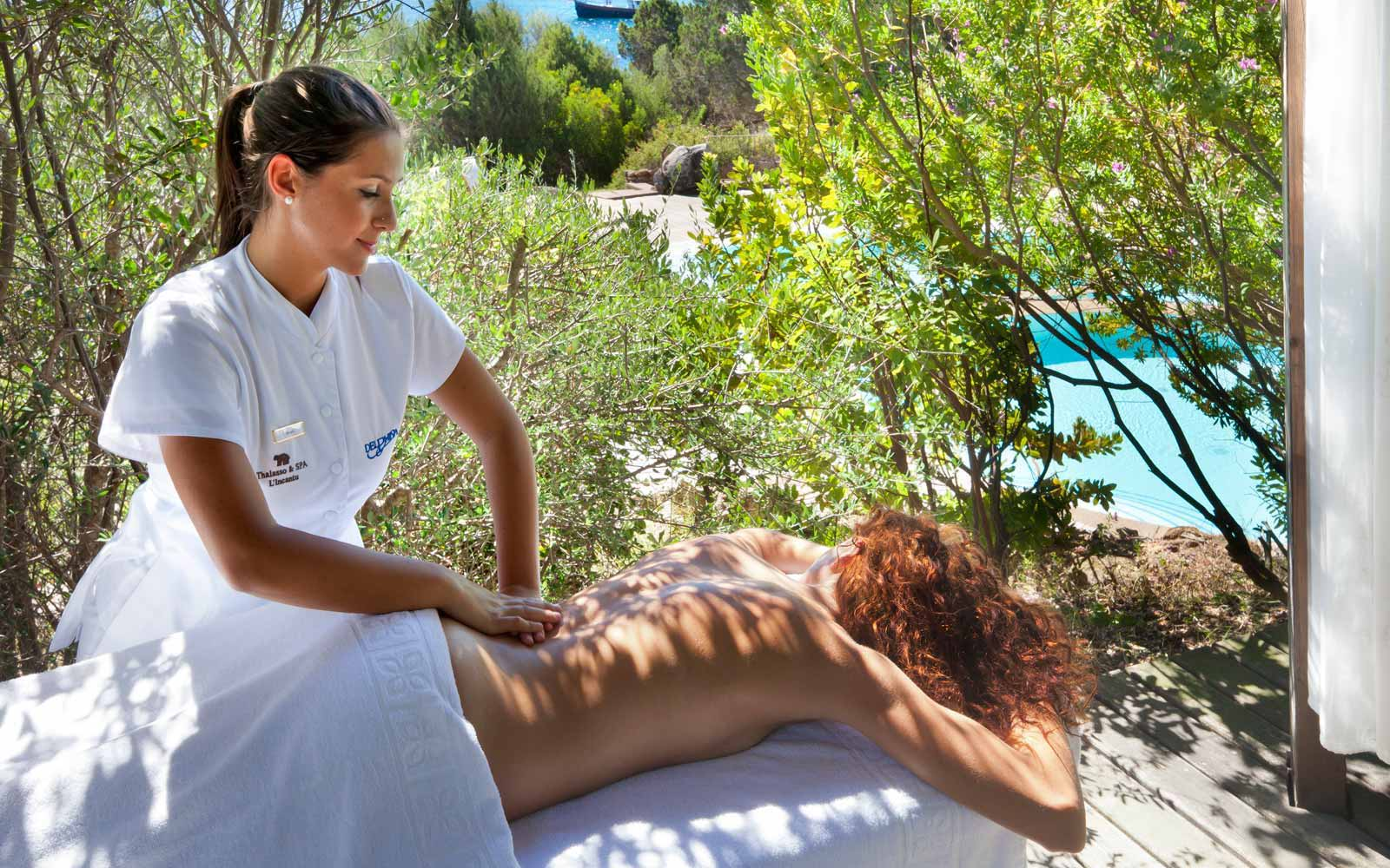 Massage treatment at Hotel Capo d'Orso