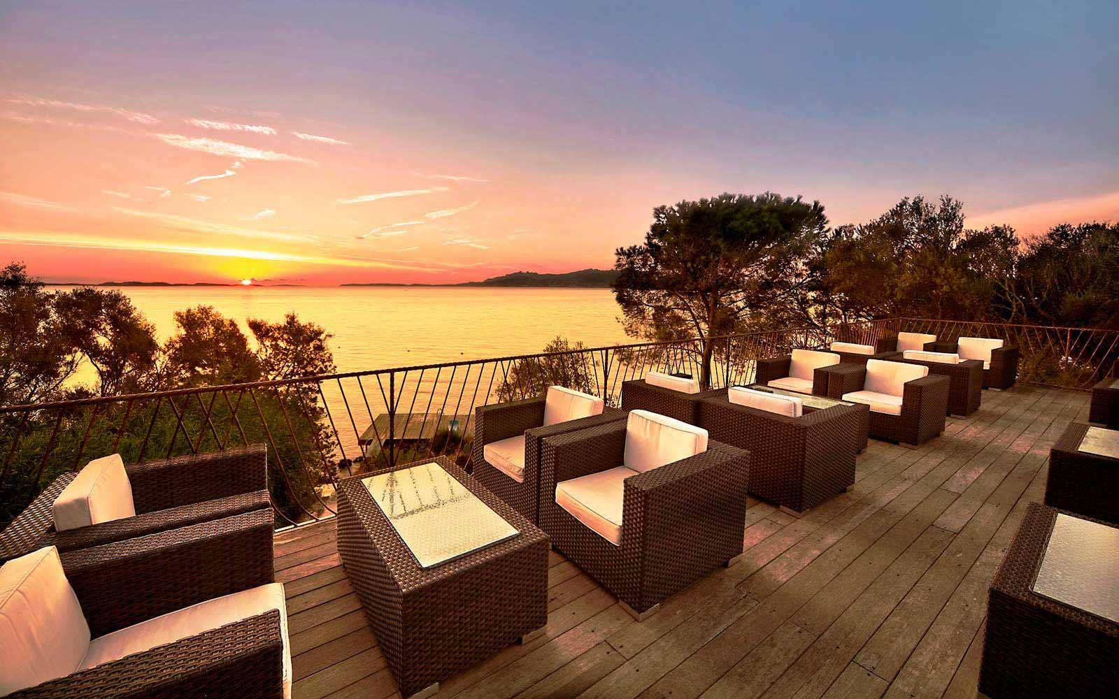 Terrace bar at Hotel Capo D'Orso Thalasso & Spa