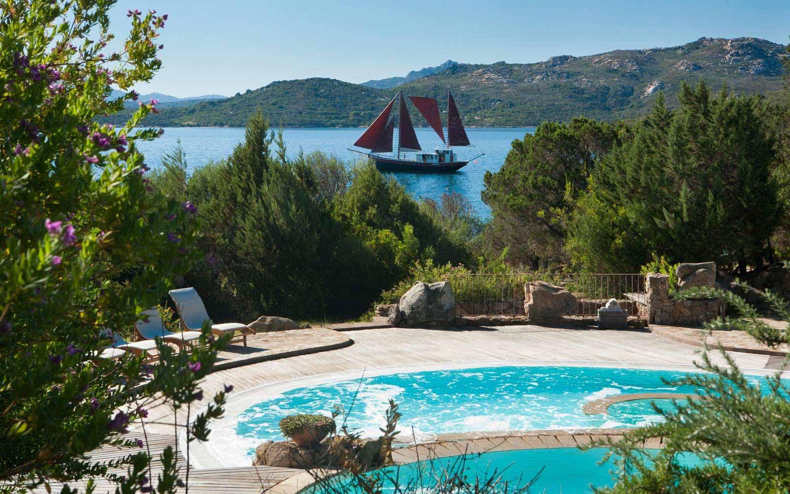 Wellness swimming pools at Hotel Capo D'Orso Thalasso & Spa