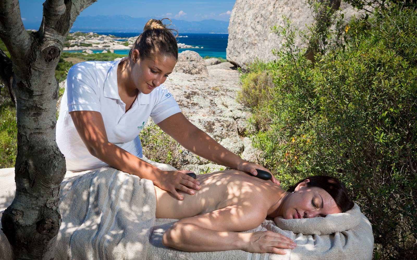 Open air massage at at Resort Valle Dell'Erica Thalasso & Spa