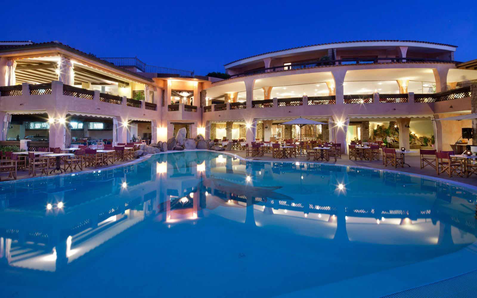 Night view of Hotel Marinedda Thalasso & Spa