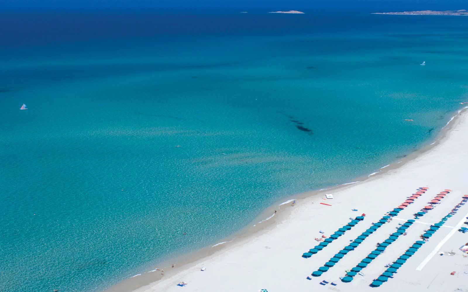 Beach service at Resort & Spa Le Dune