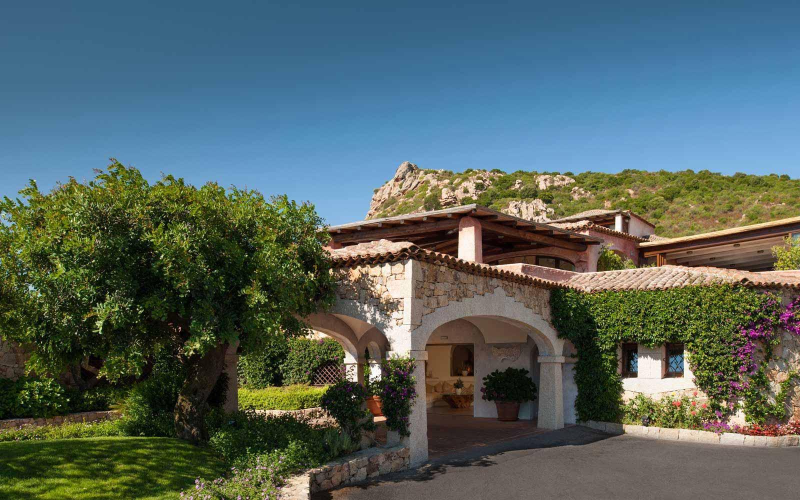 Entrance to the Hotel Relais Villa Del Golfo & Spa