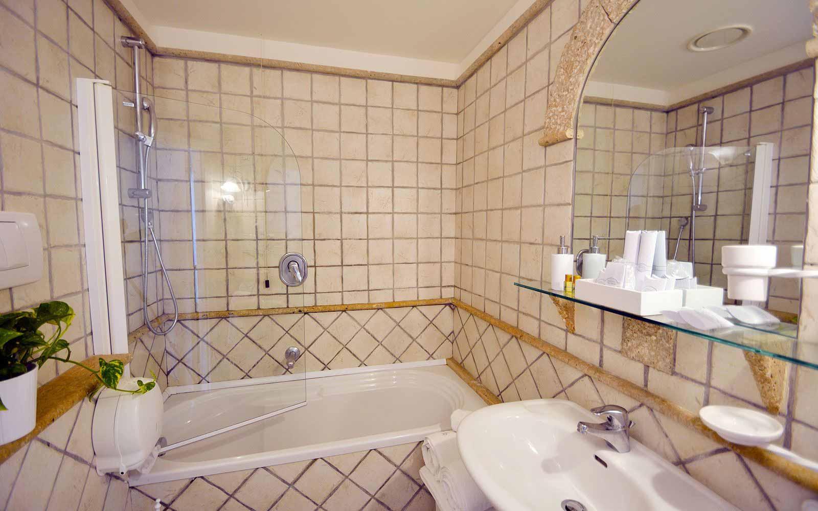 A bathroom at the Hotel Villa Romana