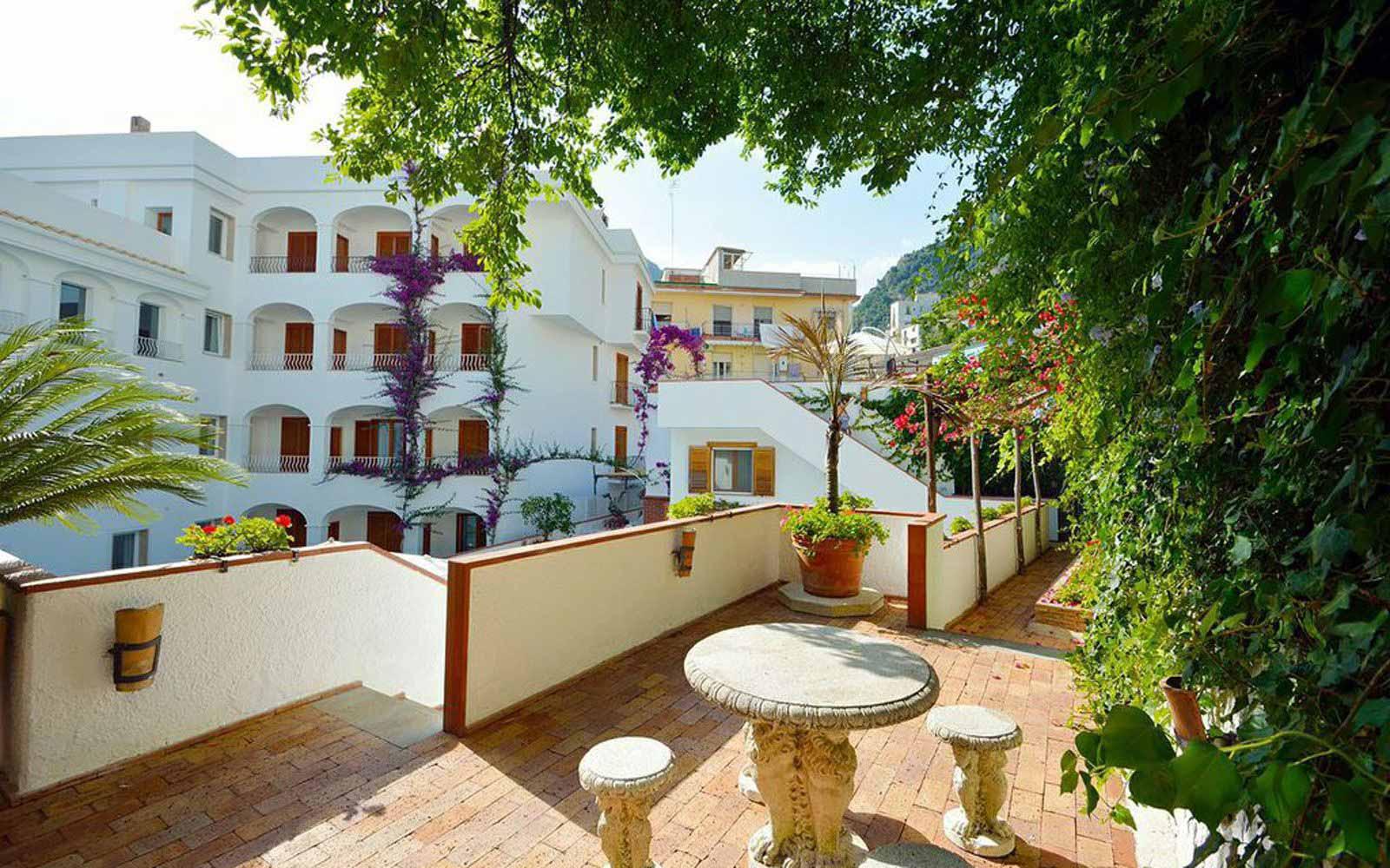 Hotel Villa Romana exterior