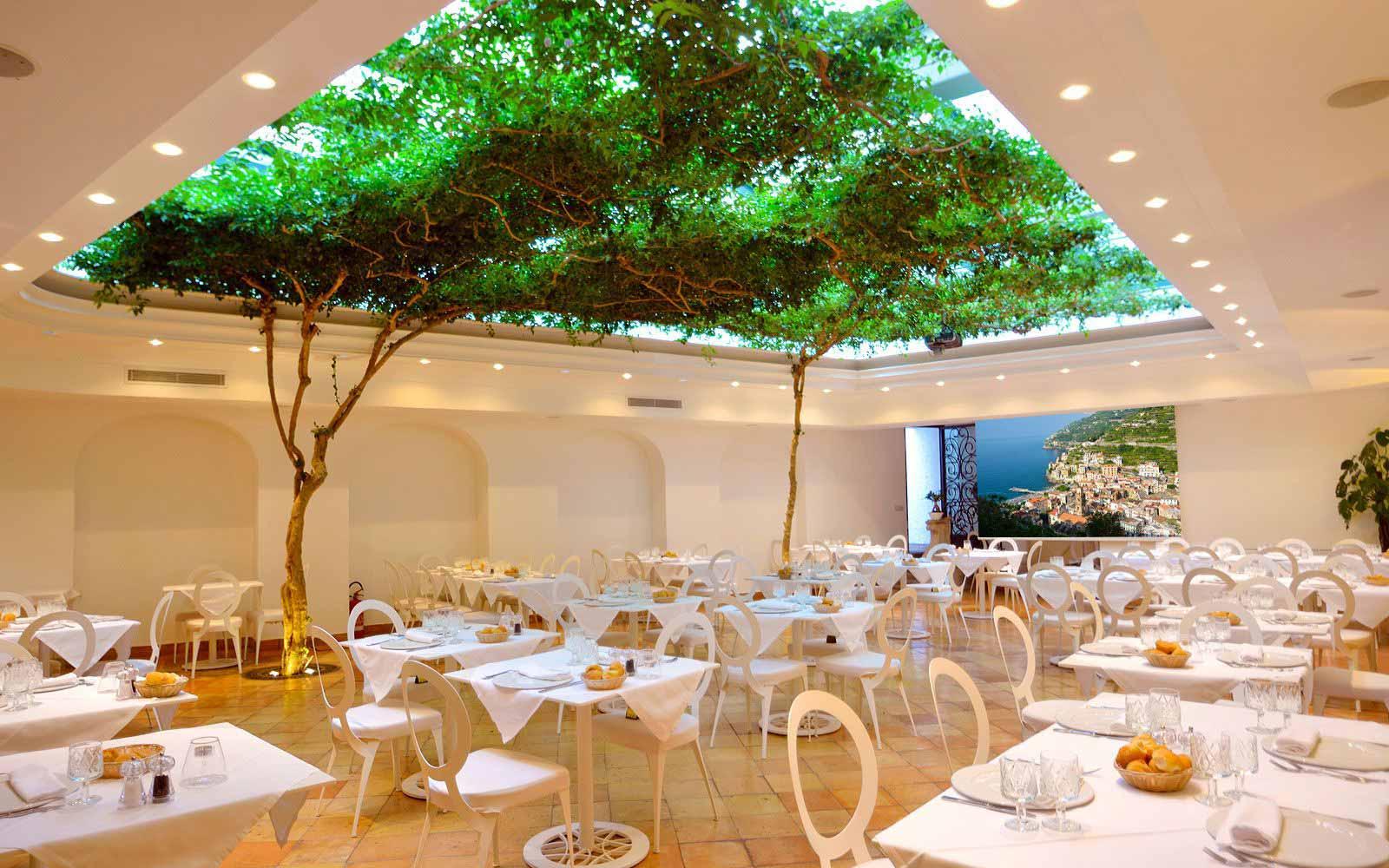 Restaurant at Hotel Villa Romana