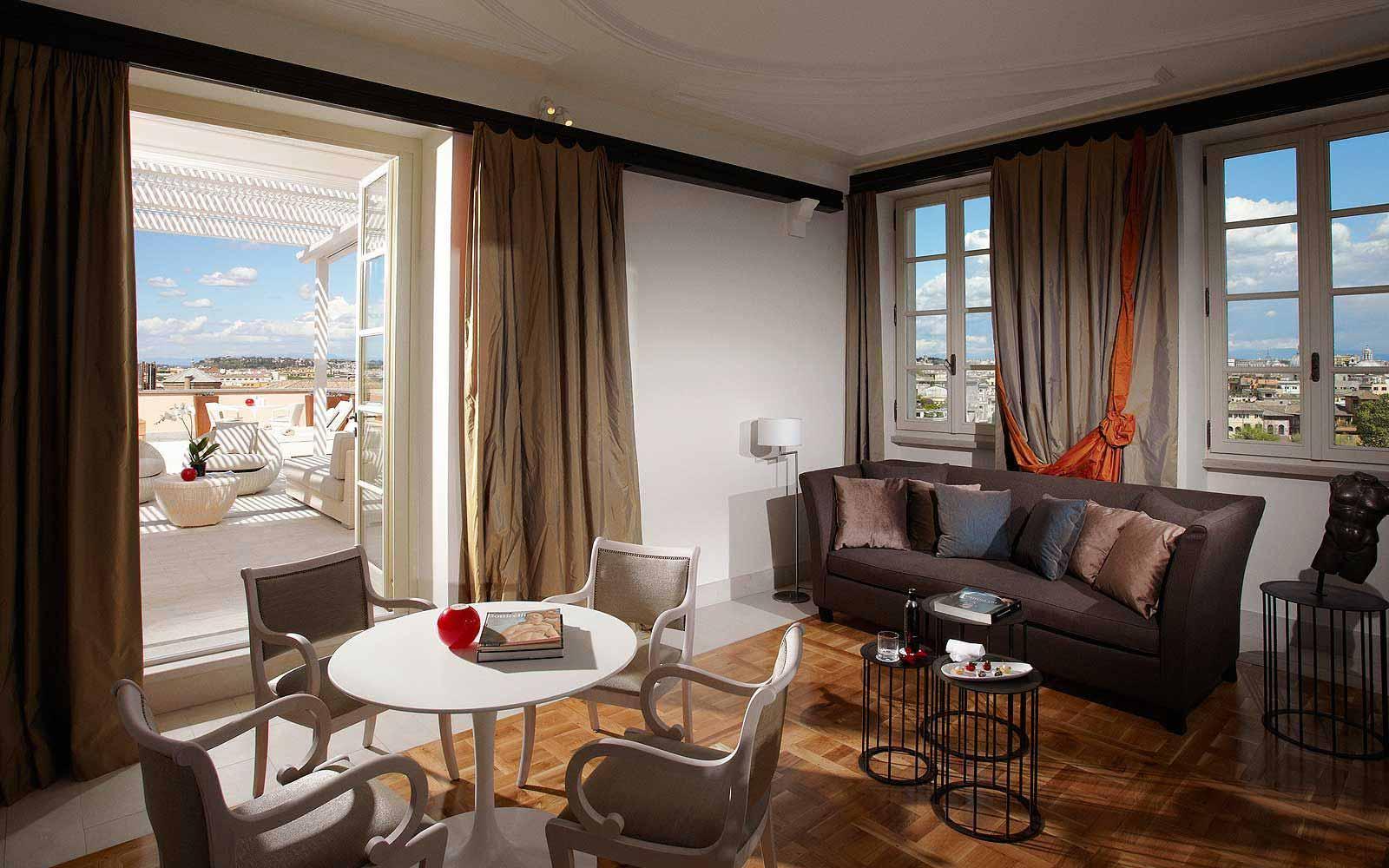 A grand suite at Gran Melia' Rome