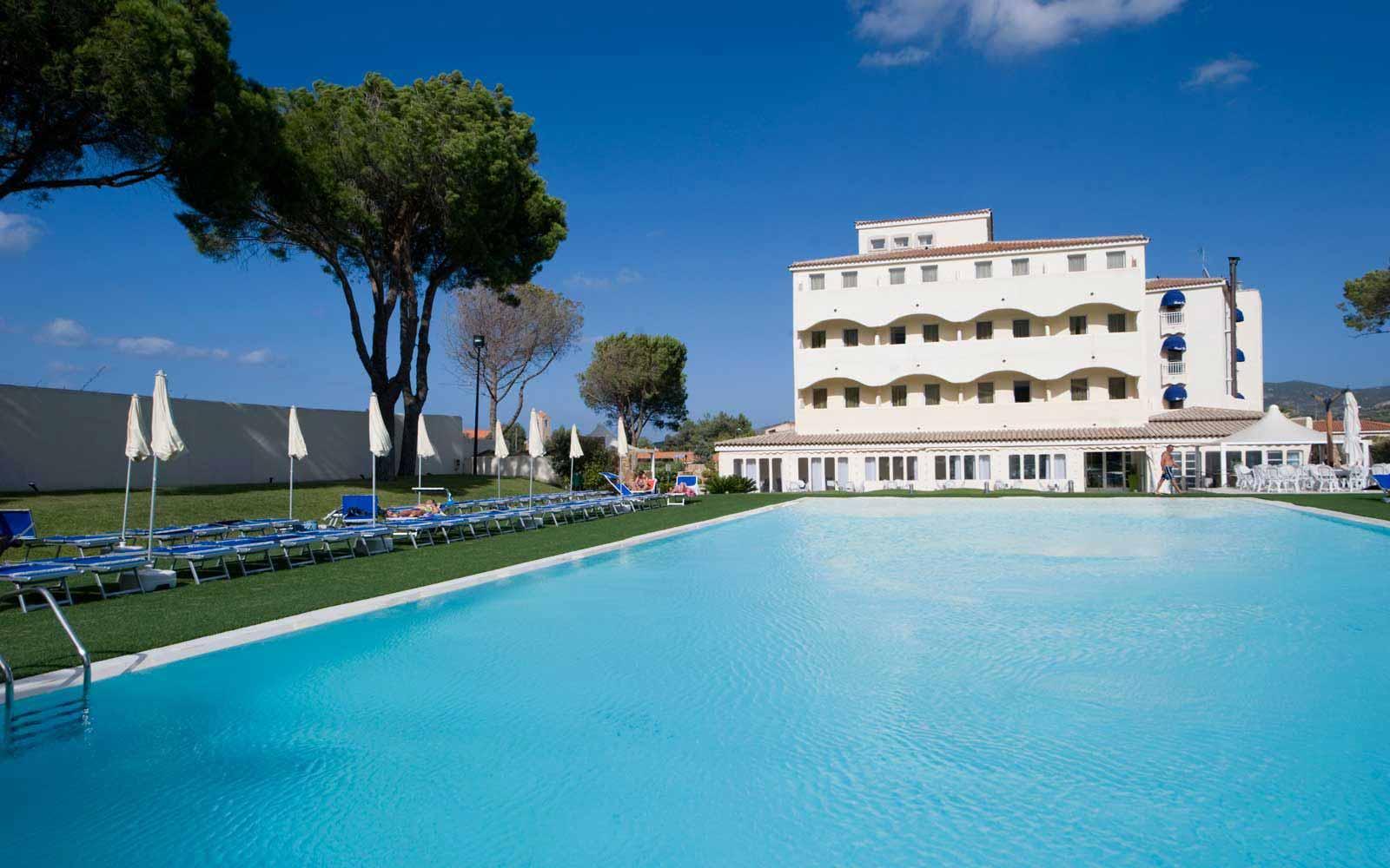 Pool at Hotel Baja