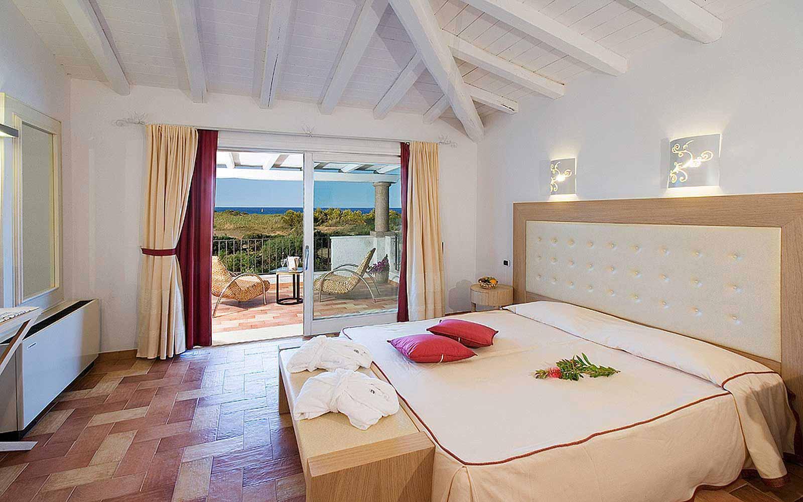 Deluxe room at Hotel Villas Resort