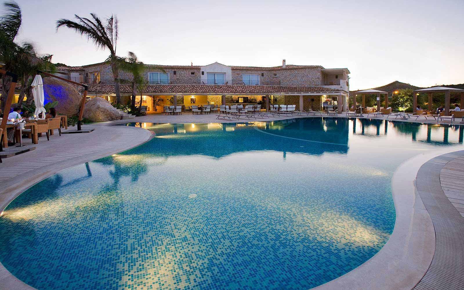Swimming pool in the evening at Hotel Villas Resort