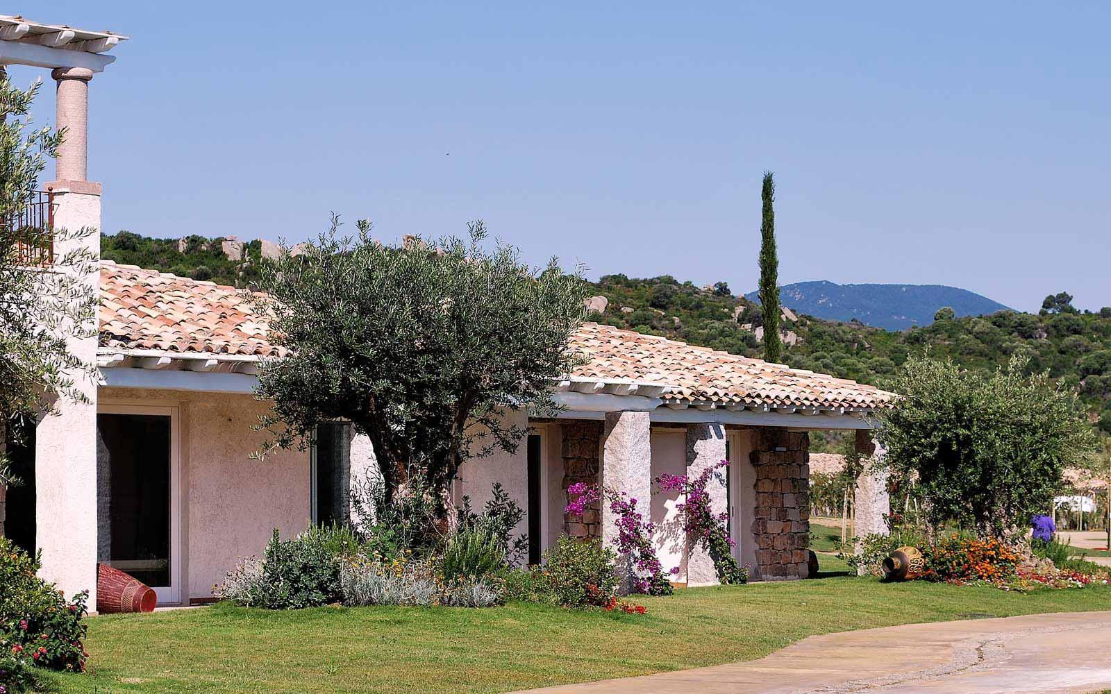 A villa's external view at Hotel Villas Resort